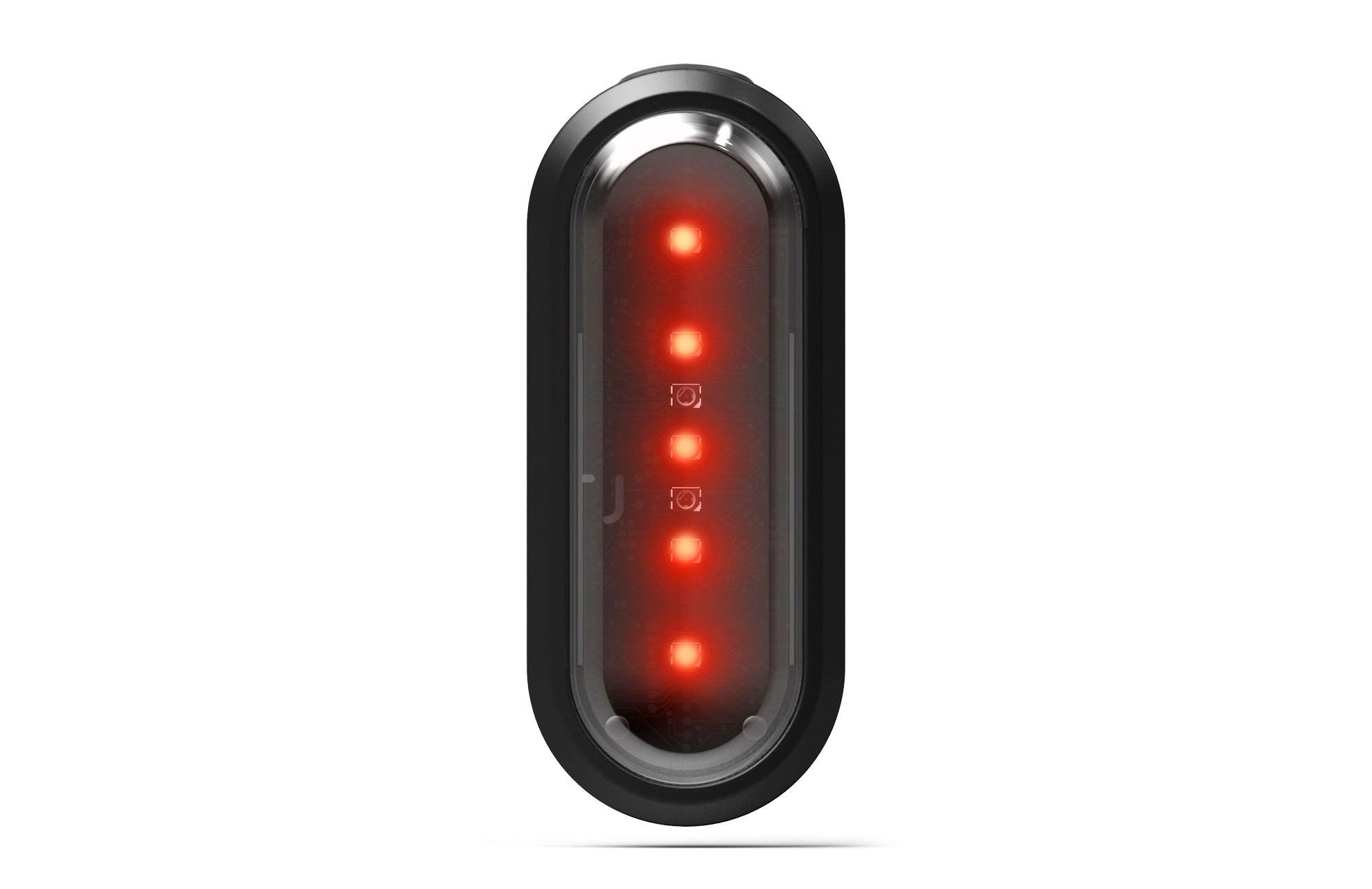 Et ekstra baklys kan kjøpes til. Dette har dessuten retningsindikatorer integrert, slik at du kan blinke før du tar av.