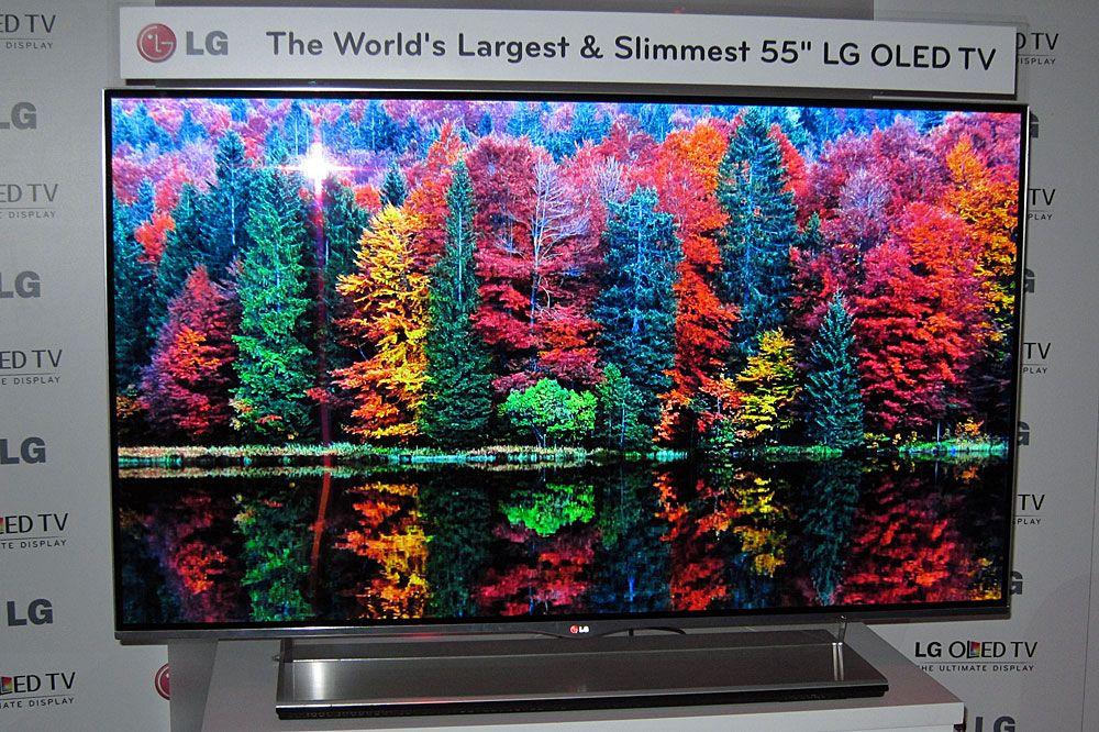 OLED-skjermer har meget gode farger. Her en forgjenger til den modellen som nå er i salg.Foto: Ole Henrik Johansen / Hardware.no