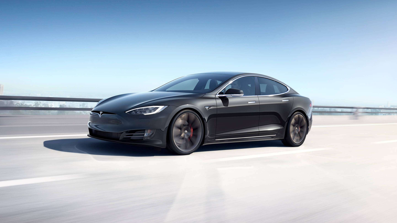 Tesla bryter ny rekkevidde-barriere med Model S