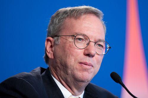 Tim Cook kritiserte tilsynelatende Google, her ved sjefen Eric Schmidt, som Cook også tidligere har kranglet med. Foto: Frederic Legrand - COMEO/Shutterstock.com