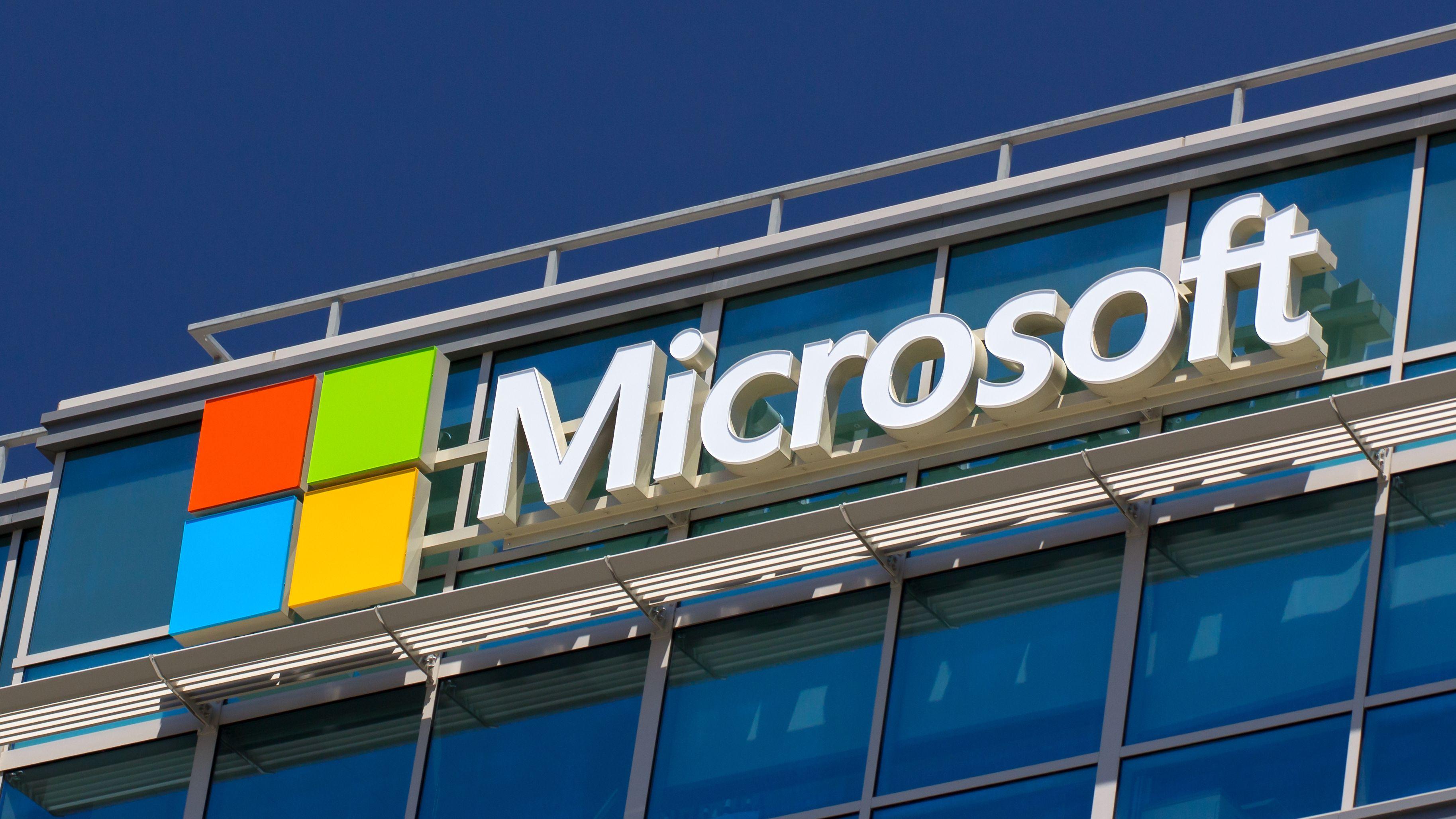 Microsoft med hard kritikk av Google for å ha offentliggjort sikkerhetsfeil