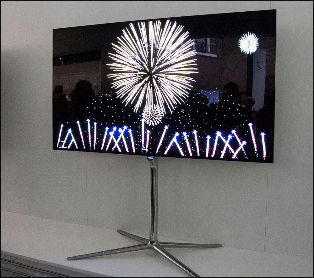 Samsung viste frem flere OLED-TV-er uten 3D-funksjonaliteten skrudd på. .Foto: Niklas Plikk, hardware.no