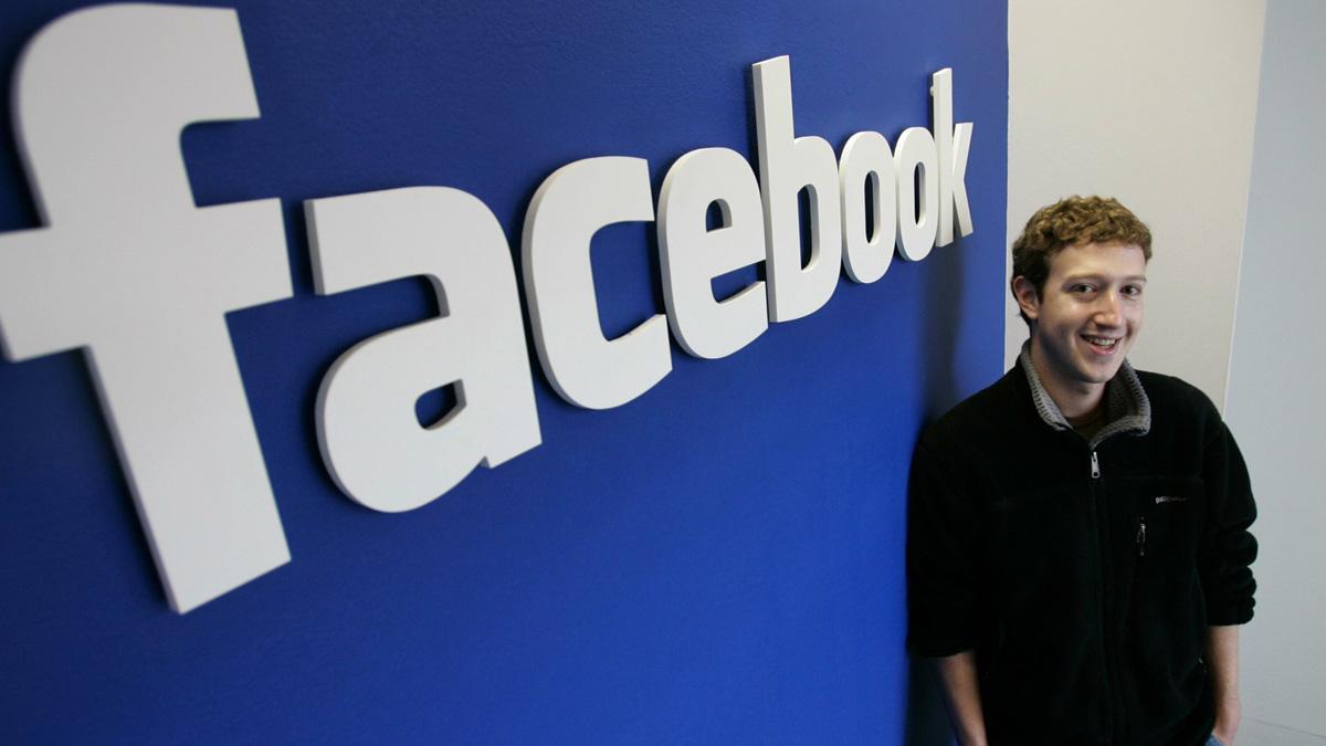 Facebooks grunnlegger Mark Zuckerberg prøver en ny variant for å få opp interessen for bildedeling. (arkivfoto).