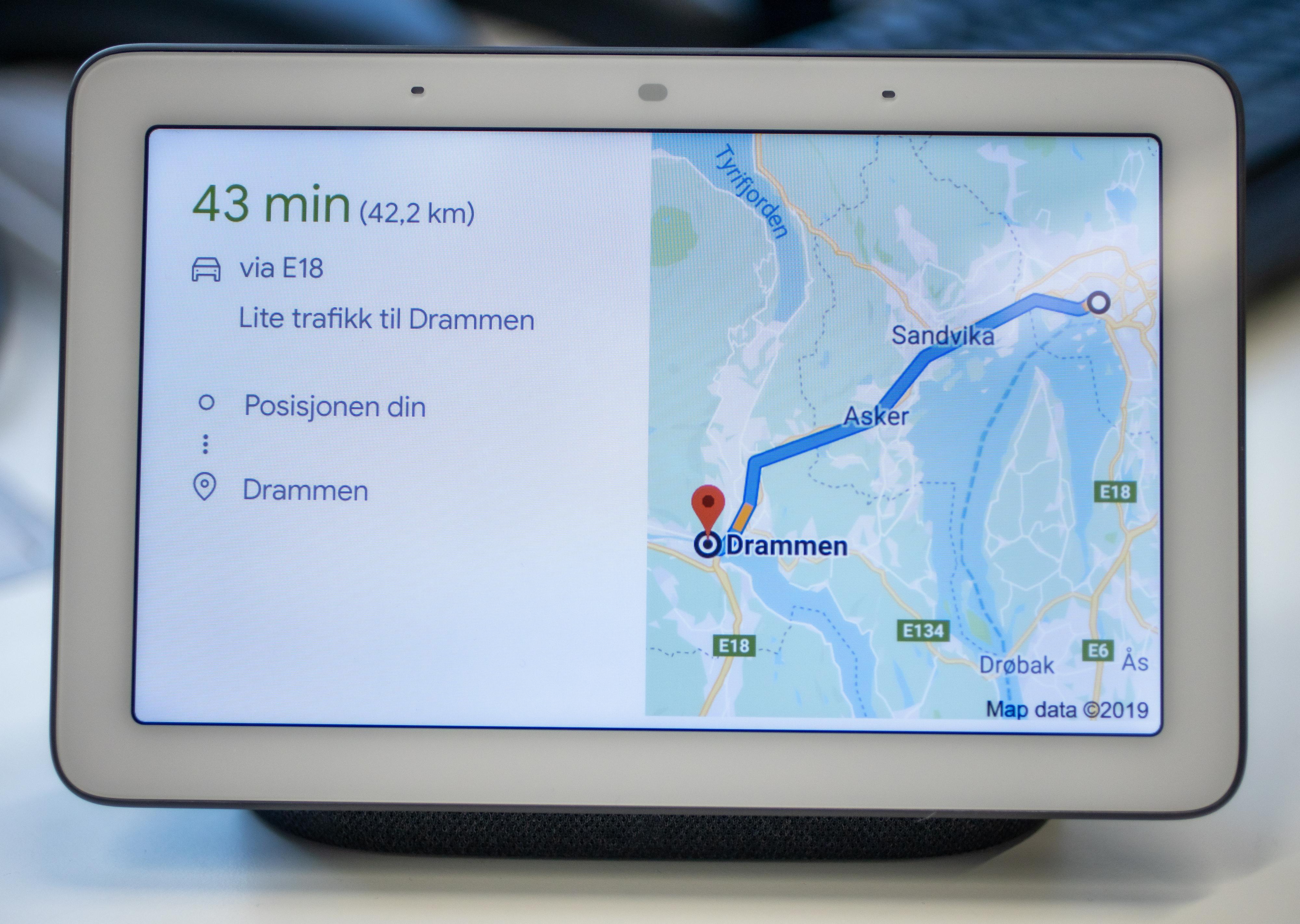 Enkle spørsmål om hvordan man kommer seg fra Oslo til Drammen går fint, men det er stort sett dét.