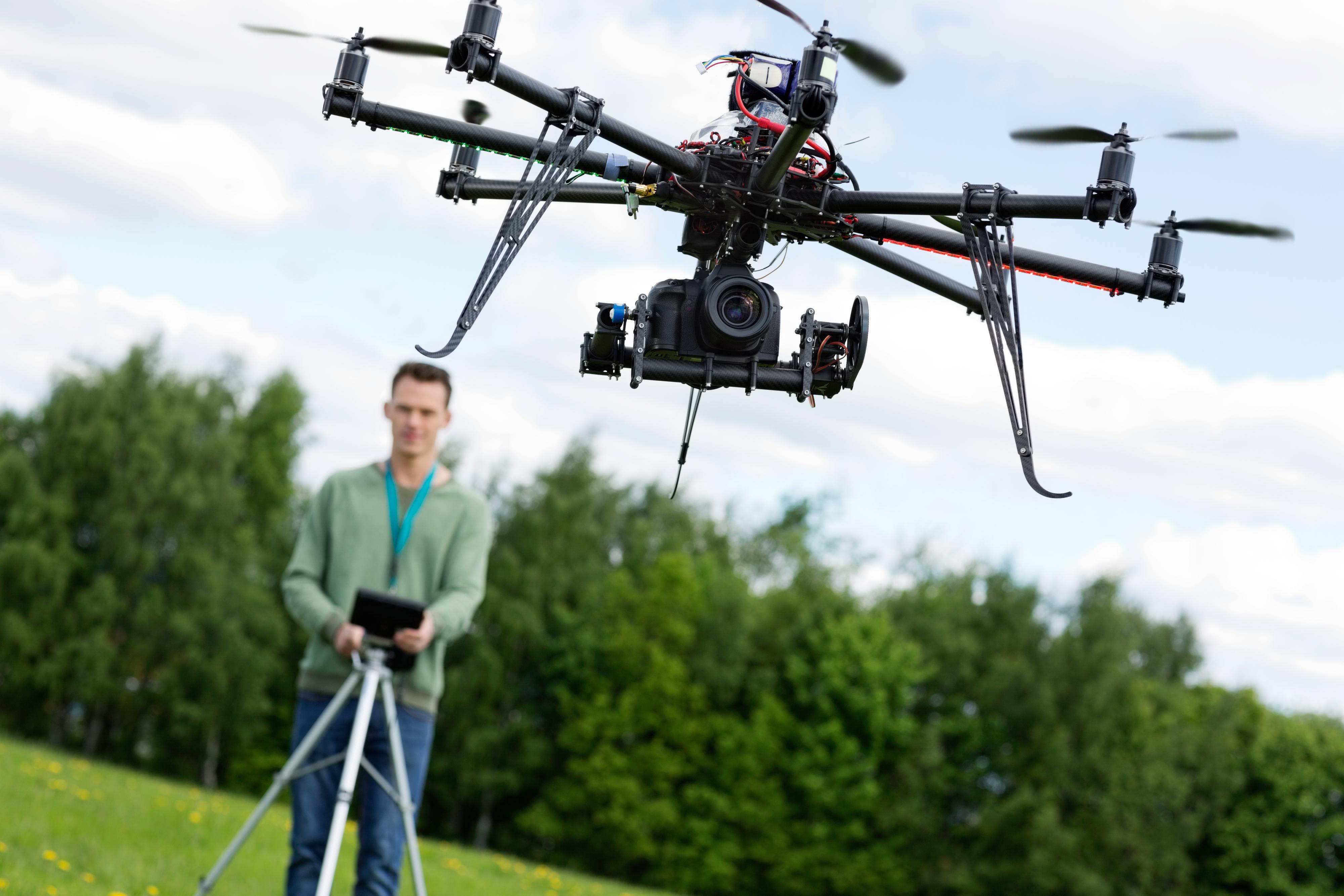 Droner blir stadig mer populære.Foto: Shutterstock/Tyler Olson