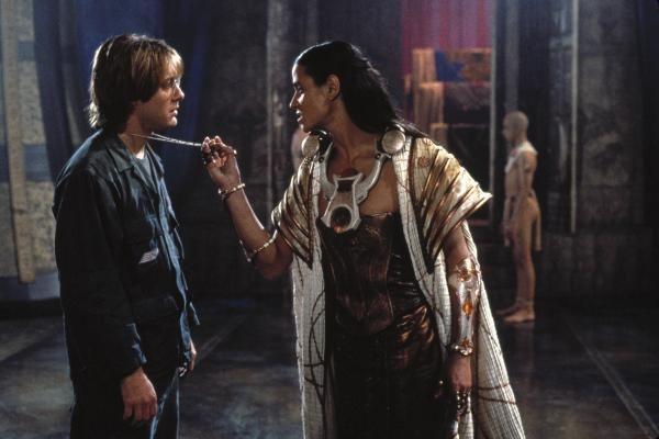 """Ved siden av å være god sci-fi skisserer """"Stargate"""" en aldri så liten kulturkræsj."""