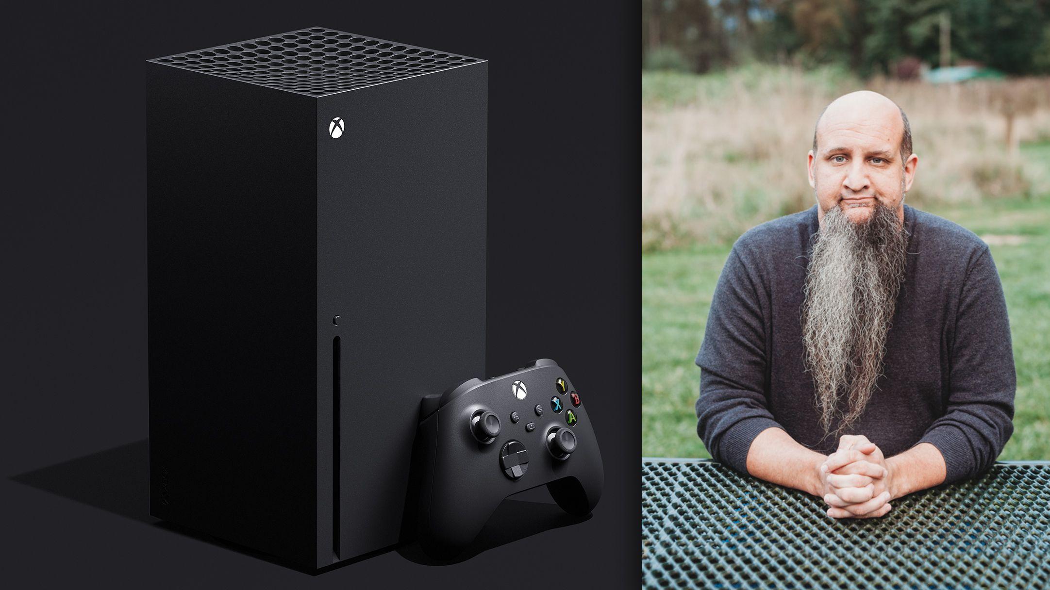 Jason Ronald og den kommende Xbox Series X, som vist frem tidligere i år.