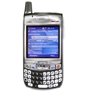 Palm Treo 700w var Palms første PDA/telefon med Windows Mobile. Alle tidligere enheter hadde Palms eget operativsystem.