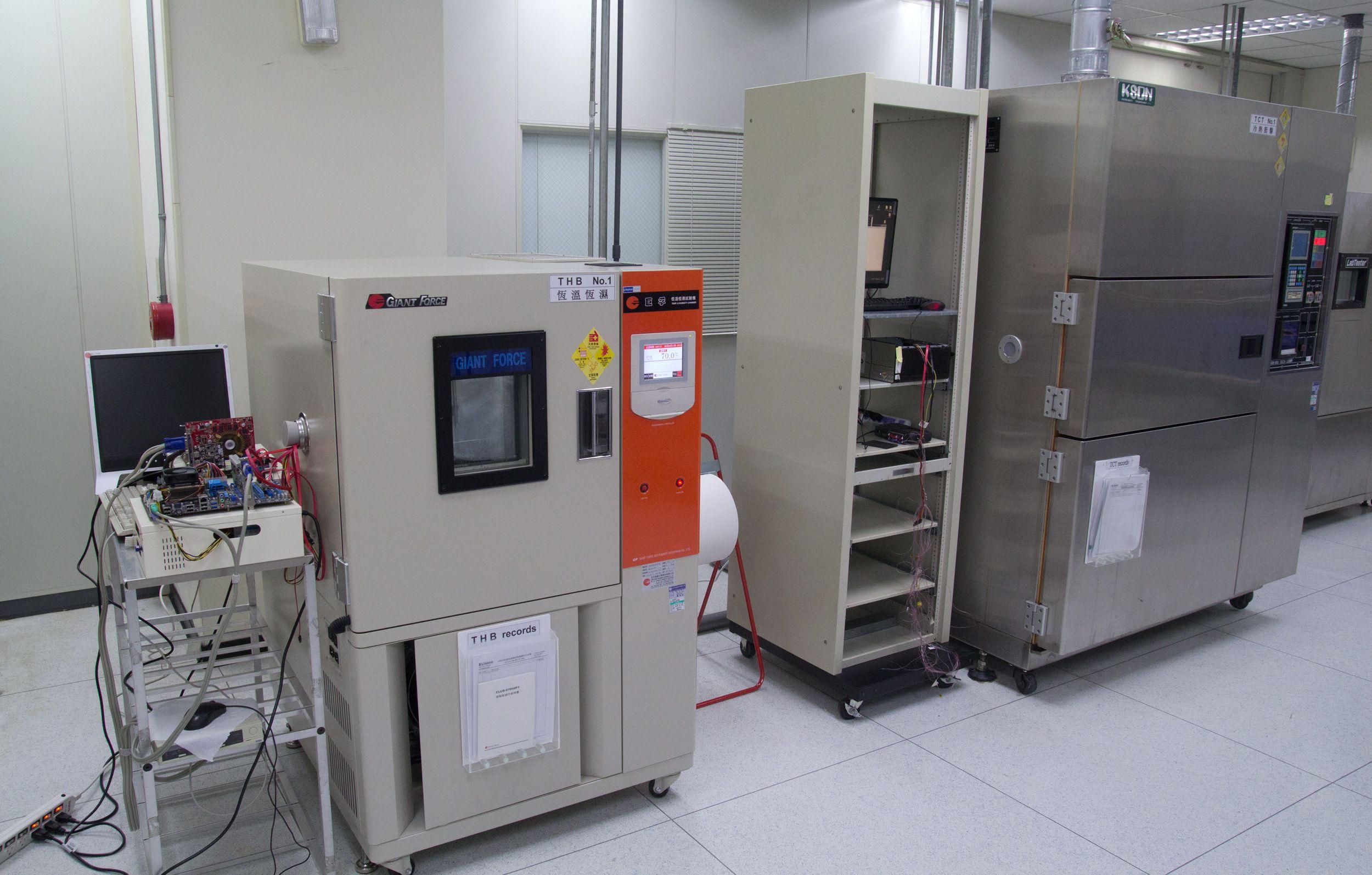 Flere testmaskiner.Foto: Rolf B. Wegner, Hardware.no
