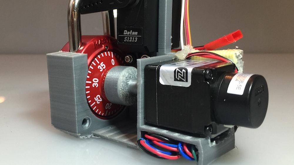 Denne automatiske dingsen knekker kombinasjonslåser på bare sekunder
