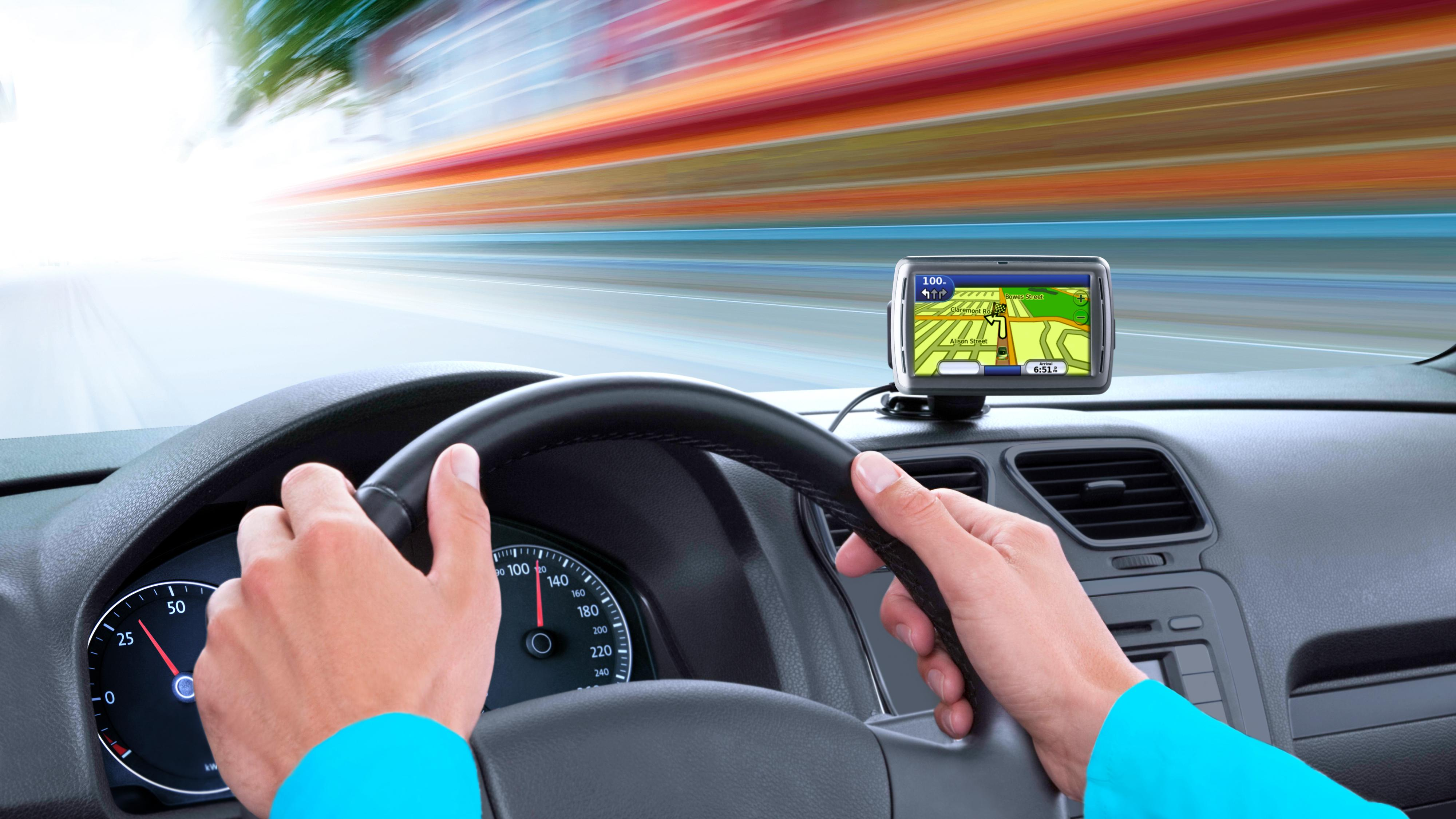 – Hackere kan ta over styringen av bilen din