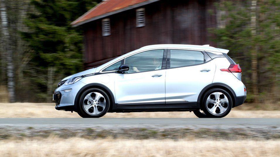 Opel fikk problemer med å levere Ampera-e da GM solget Opel til PSA Group.
