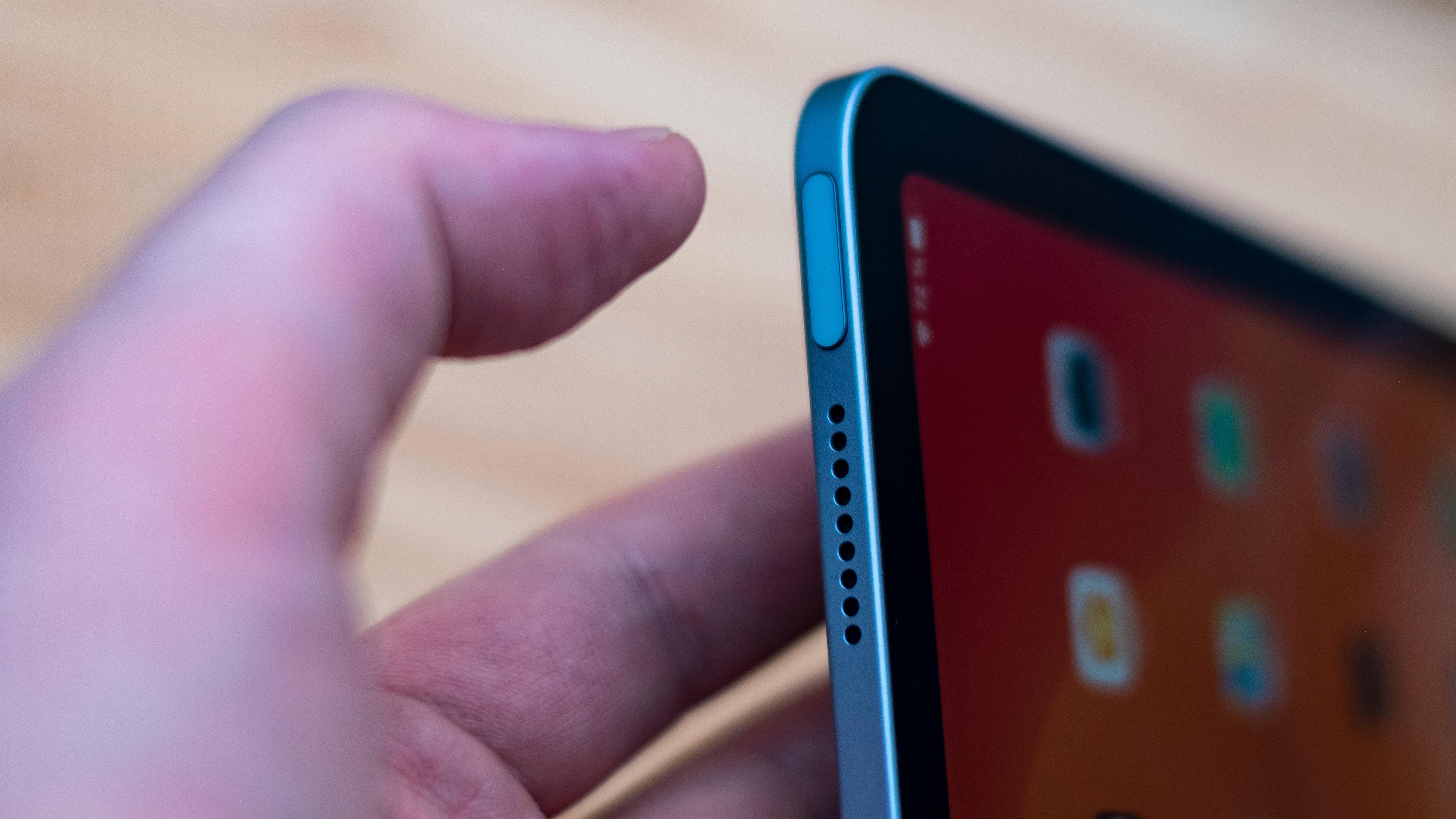 Låsetasten gjør dobbel tjeneste på iPad Air - her er den også TouchID.