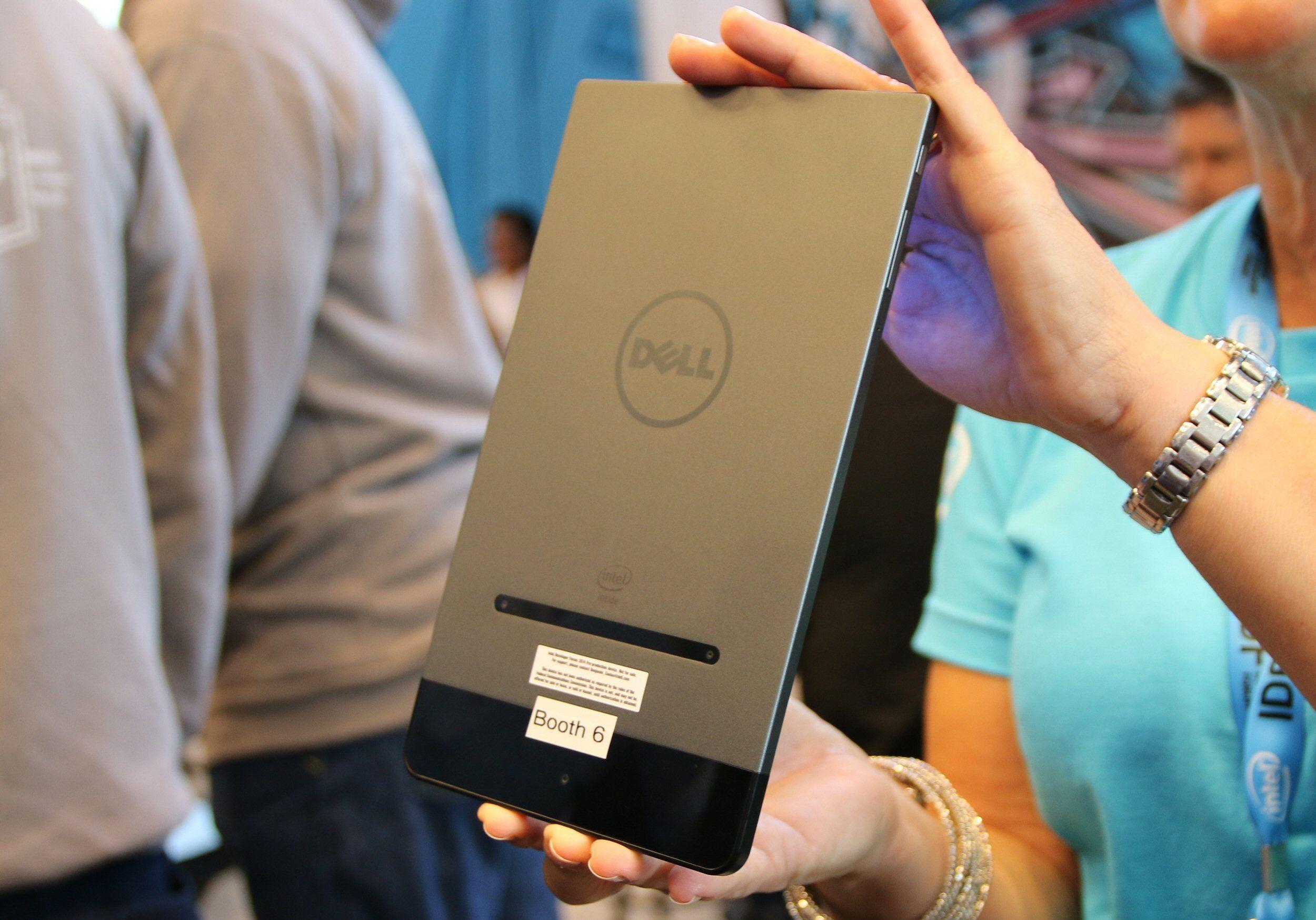 Dell Venue 8 7000 Series har flere kameraer og kan således også «se» i dybdedimensjonen. Dette nettbrettet har for øvrig Snapshot-versjonen av RealSense.Foto: Vegar Jansen, Tek.no