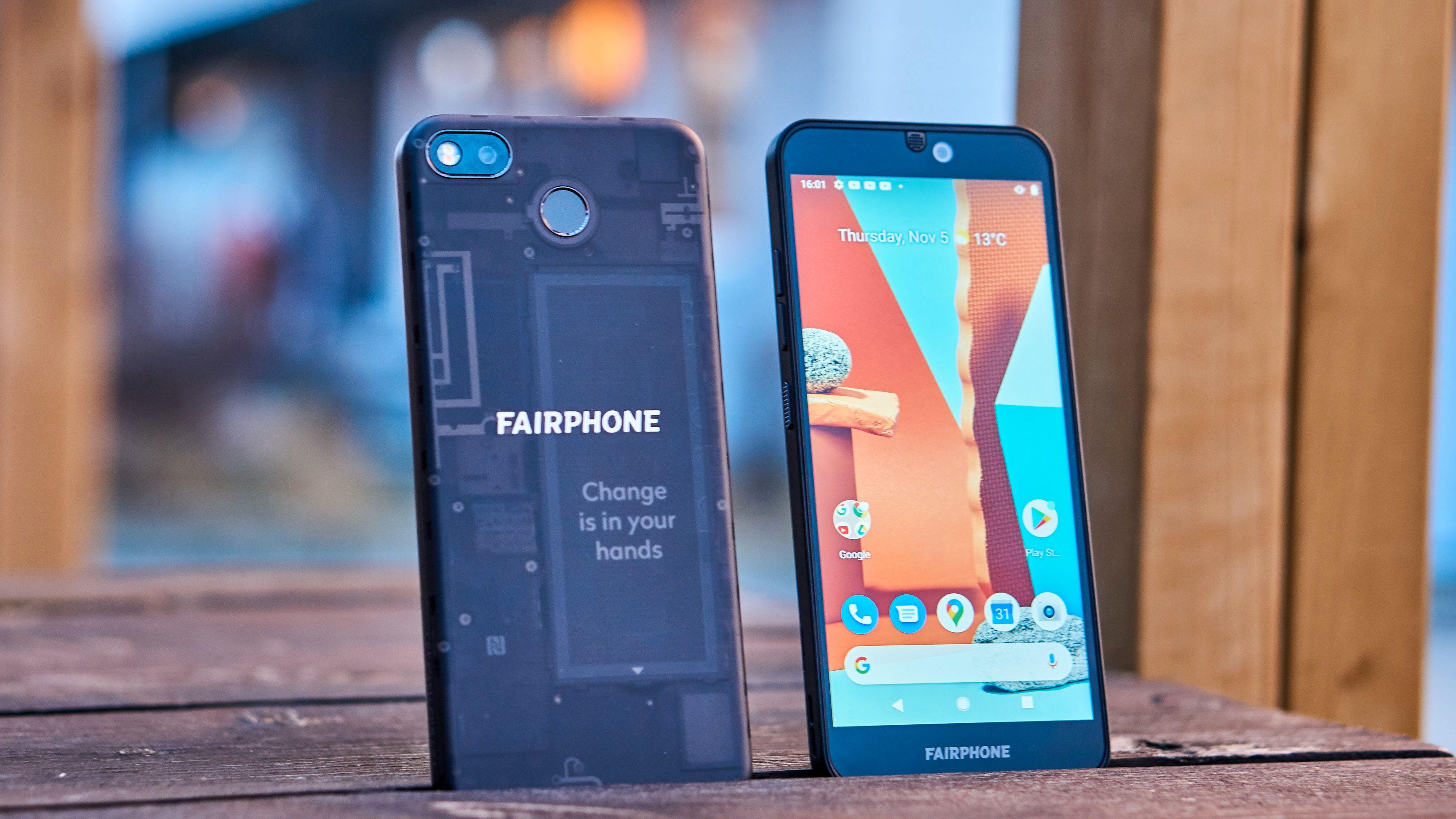 Fairphone 3 har en kul bakside om du velger den gjennomsiktige varianten.
