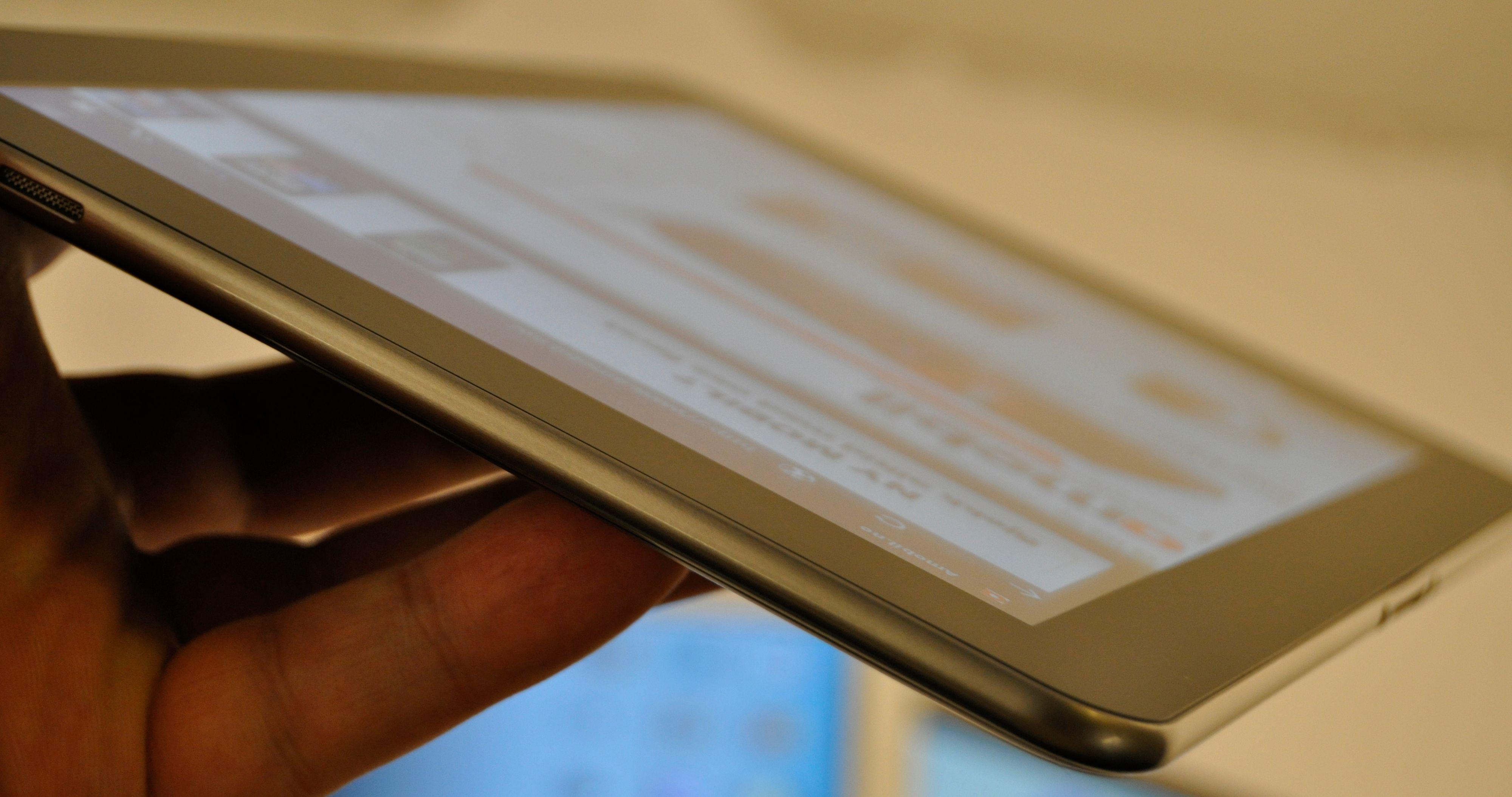 Galaxy Tab 10.1 er det tynneste nettbrettet på markedet når det kommer i juni.