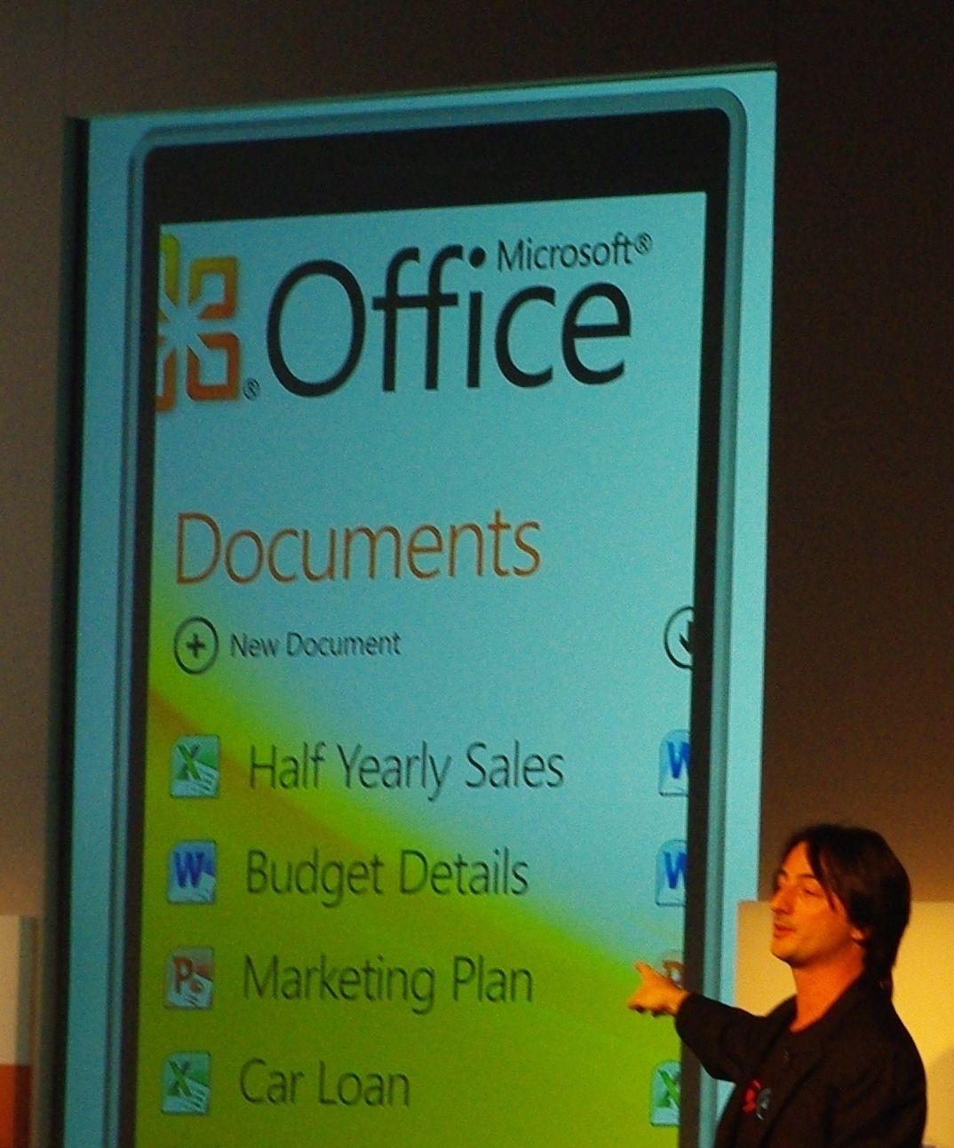 Joe Belfiore har ansvaret for utviklingen av Windows Phone 7.
