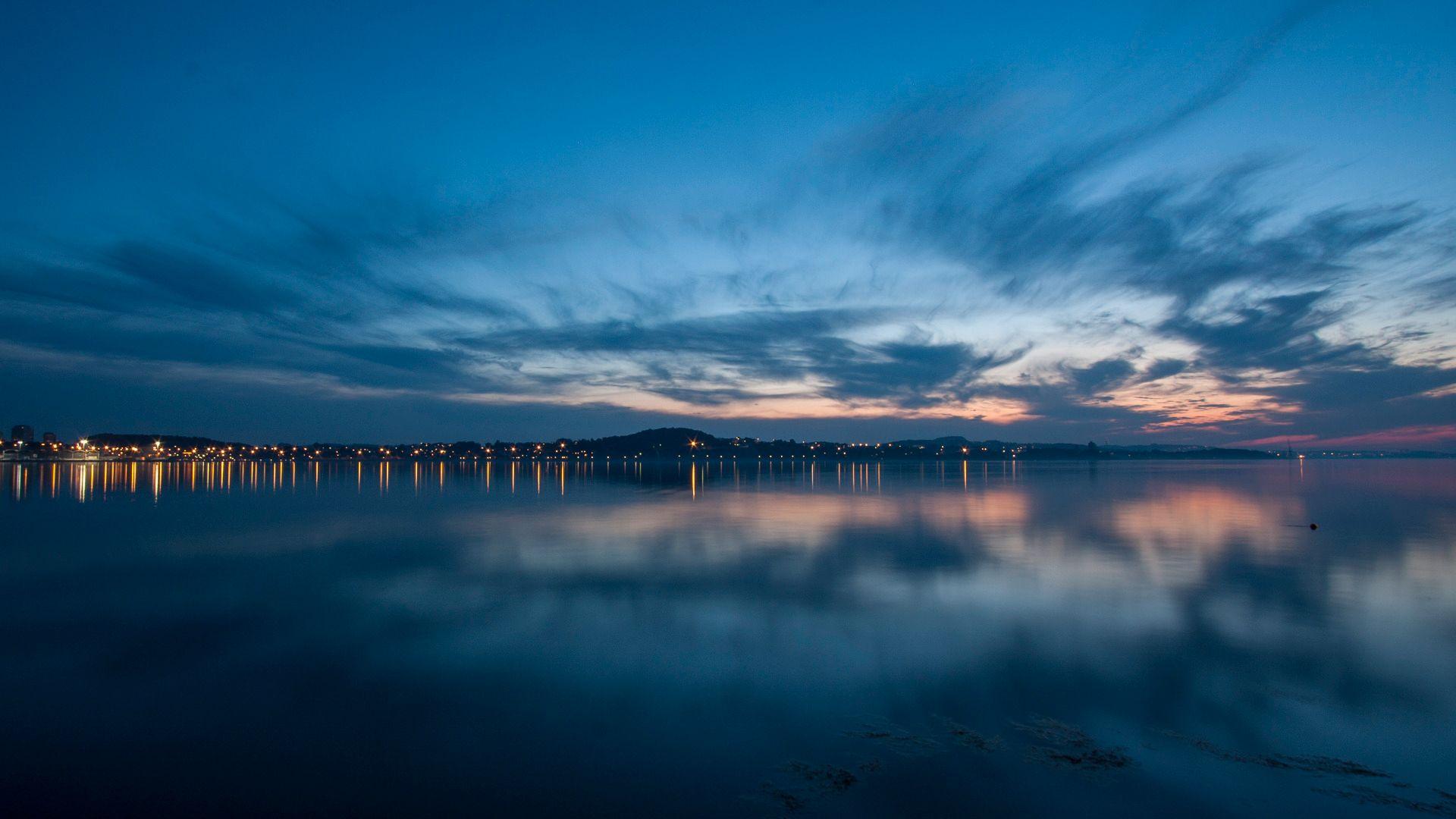 15 sekunders lukkertid gjør havet mykt og fint, og ISOen kan ligge på herlige 100, selv etter solnedgang. (Foto: Kristoffer Møllevik)
