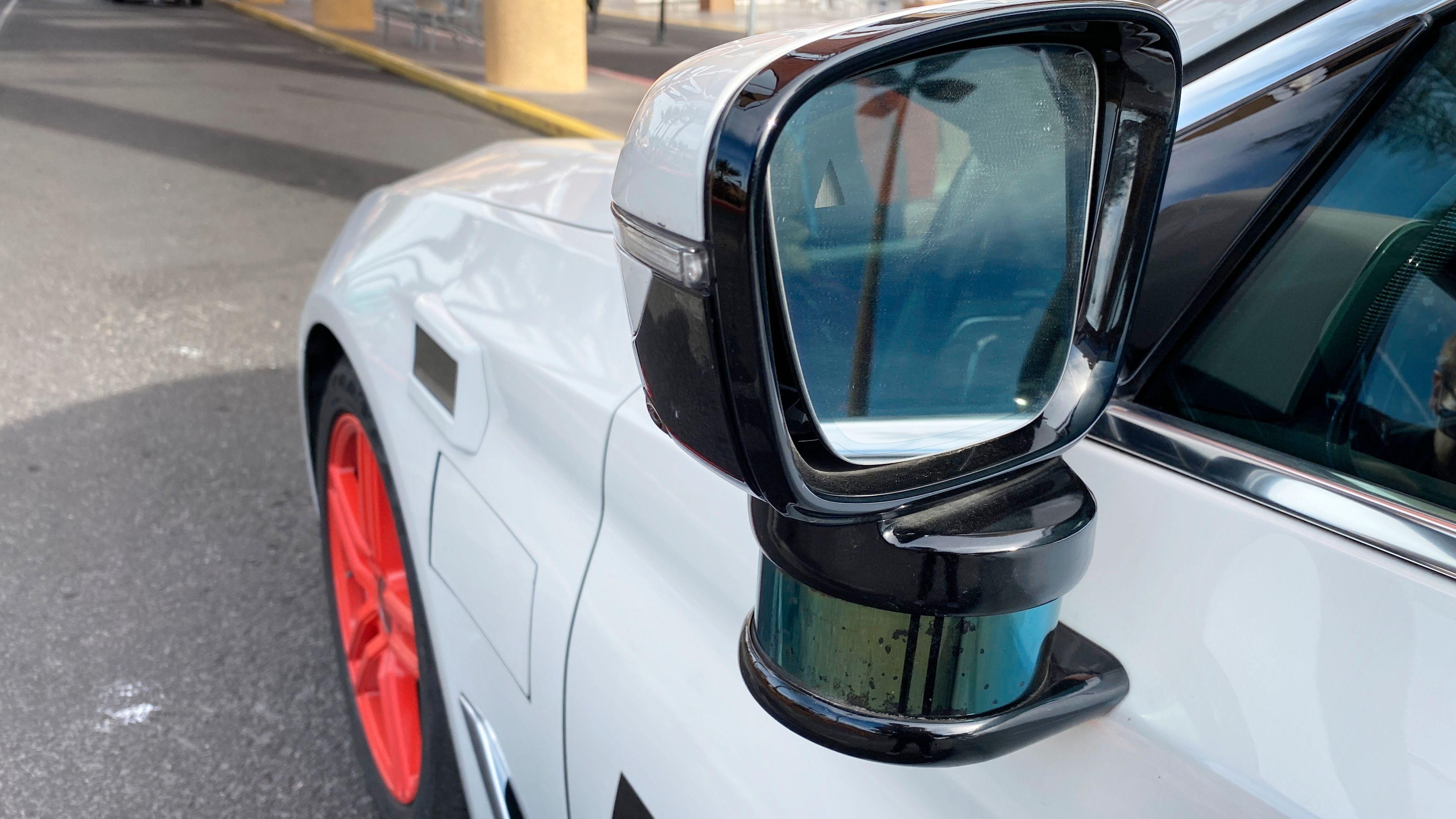 I motsetning til mange andre mer eller mindre selvkjørende biler har Aptiv-bilene ganske få synlige instrumenter utvendig.