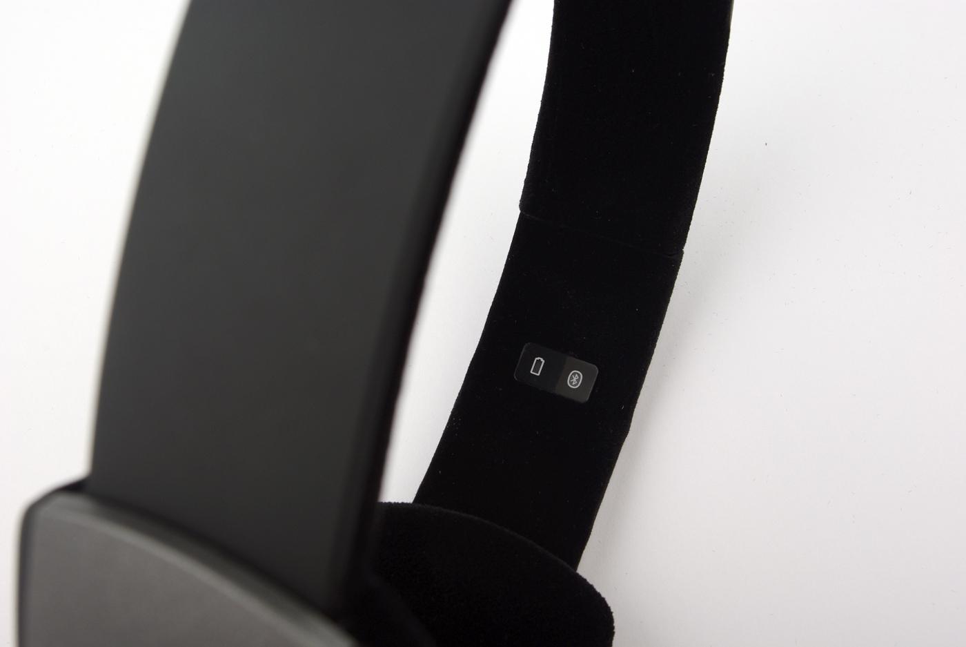 To lysdioder viser status på batteriet og Bluetooth-tilkobling.