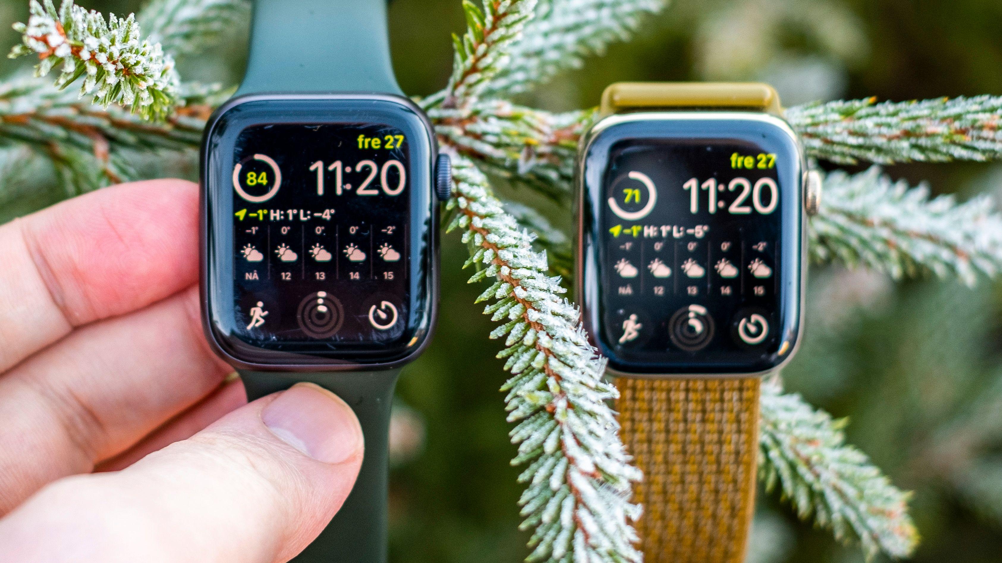 Til venstre nye Apple Watch SE - til høyre en Apple Watch series 6 i stål. Ser du nøye på bildet ser du at SE-skjermen har fått en del skavanker under bruk, mens safirglasskjermen på series 6-en har tålt strabasene uten problemer. Men prisforskjellen fra SE opp til series 6 i stål er heftig - for de fleste er det godt nok å ta bedre vare på klokka enn undertegnede.