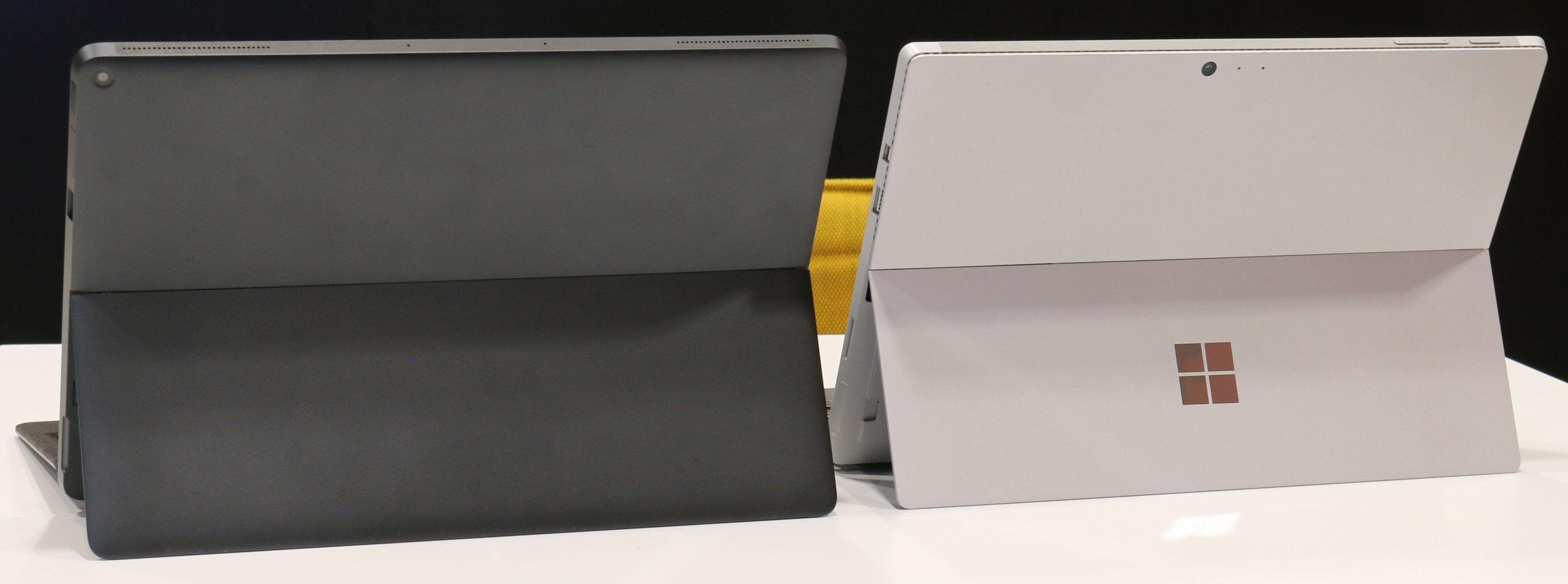 Det er mange likheter mellom Eve V og Surface Pro, her representert ved Pro 4. Bilde: Vegar Jansen, Tek.no