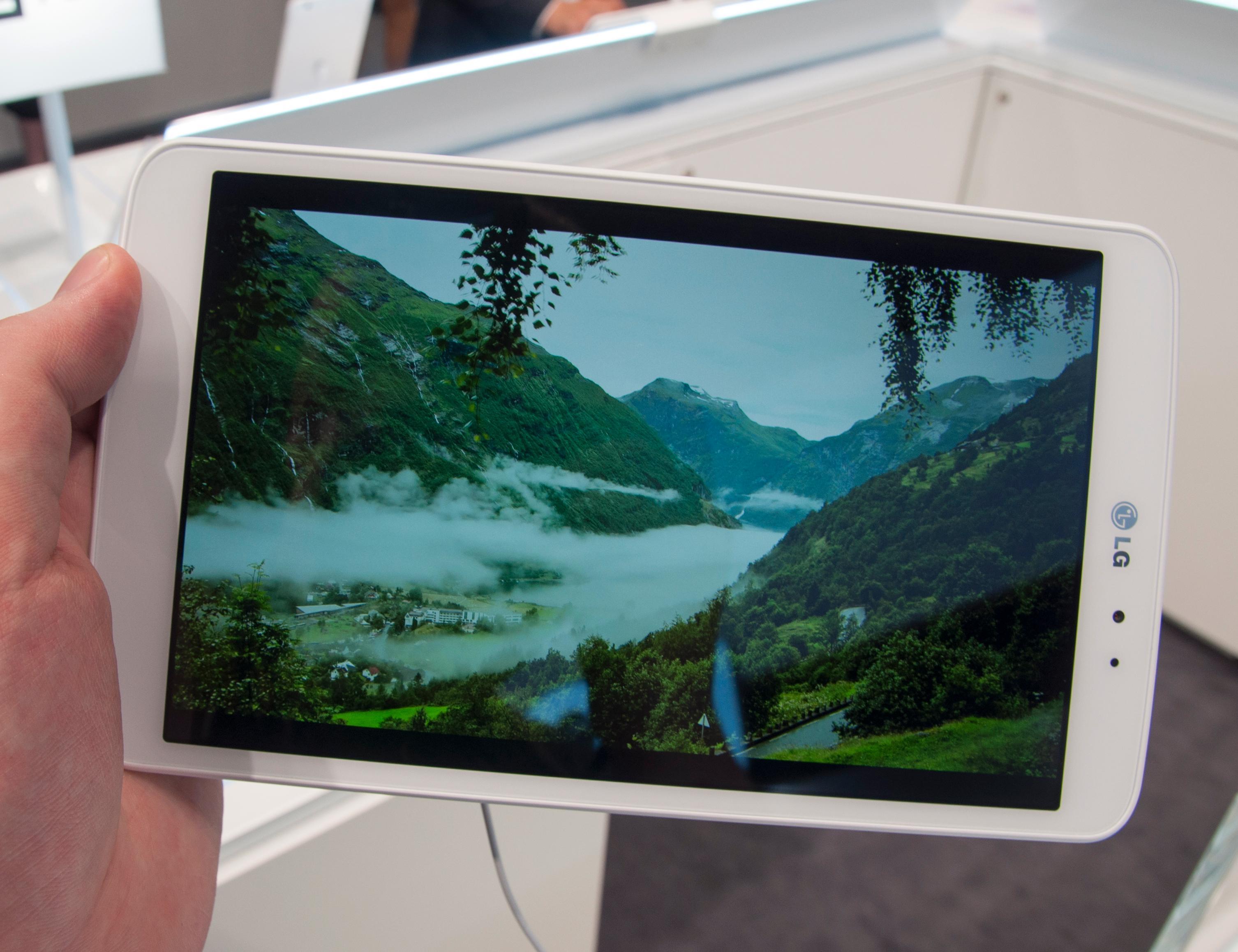 Høyoppløst video tar seg særdeles godt ut på den fine skjermen.Foto: Finn Jarle Kvalheim, Amobil.no