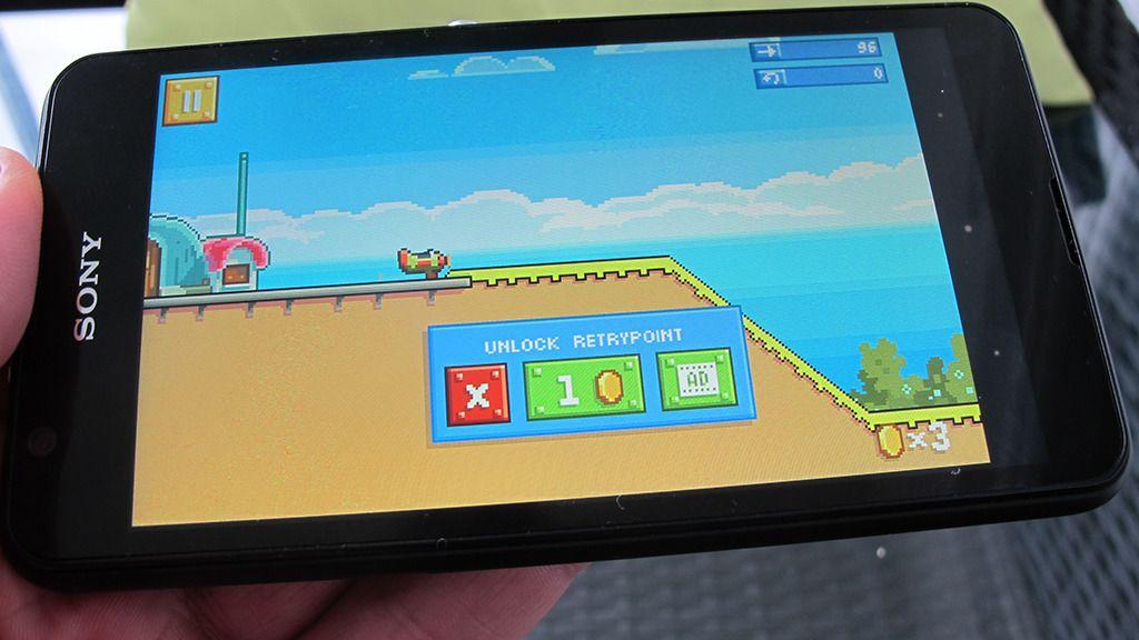 Xperia E4G egner seg bra til spill og moro.