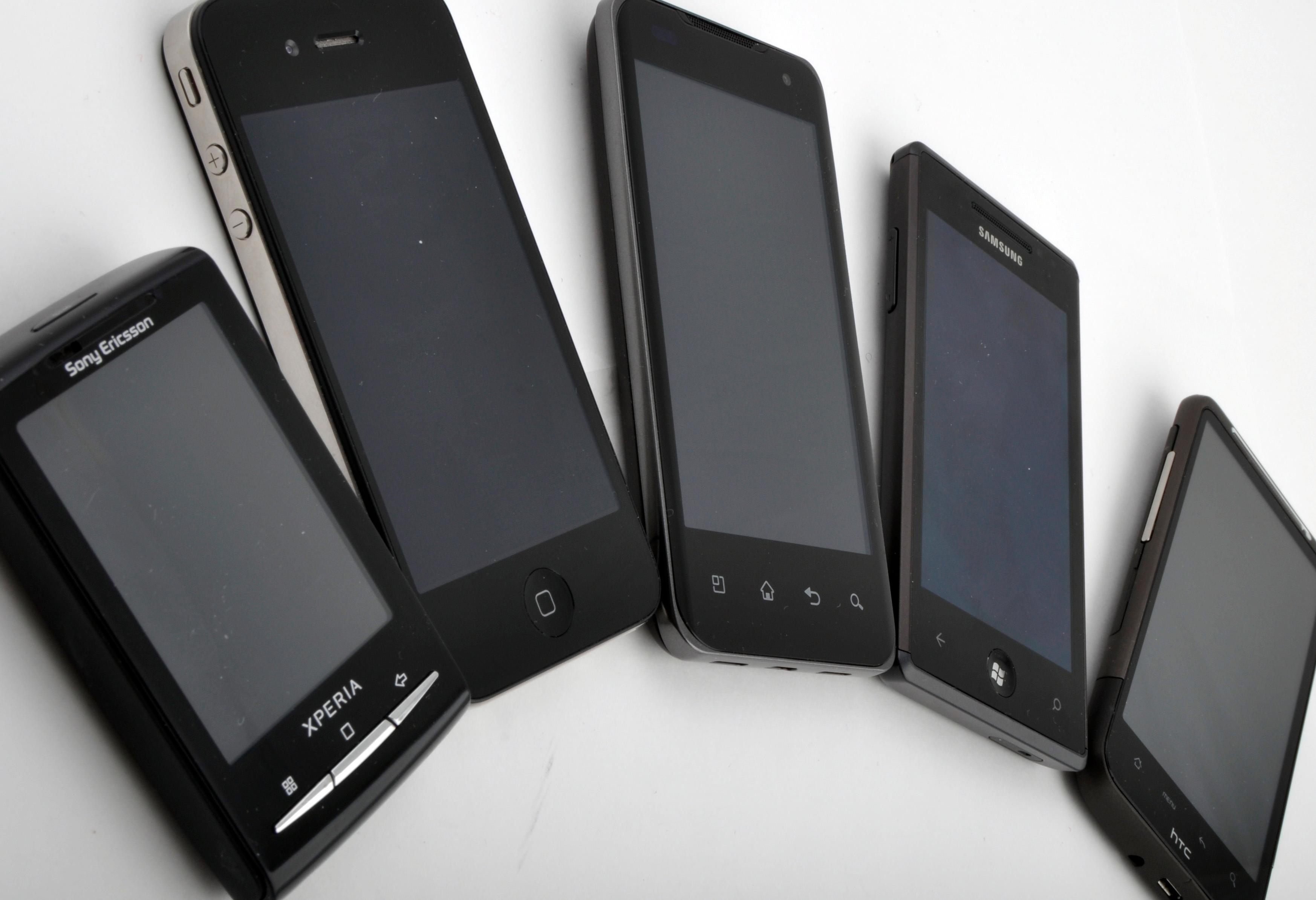 Fra minst til størst. Optimus 2X er noen millimeter smalere og tynnere enn HTC Desire HD.