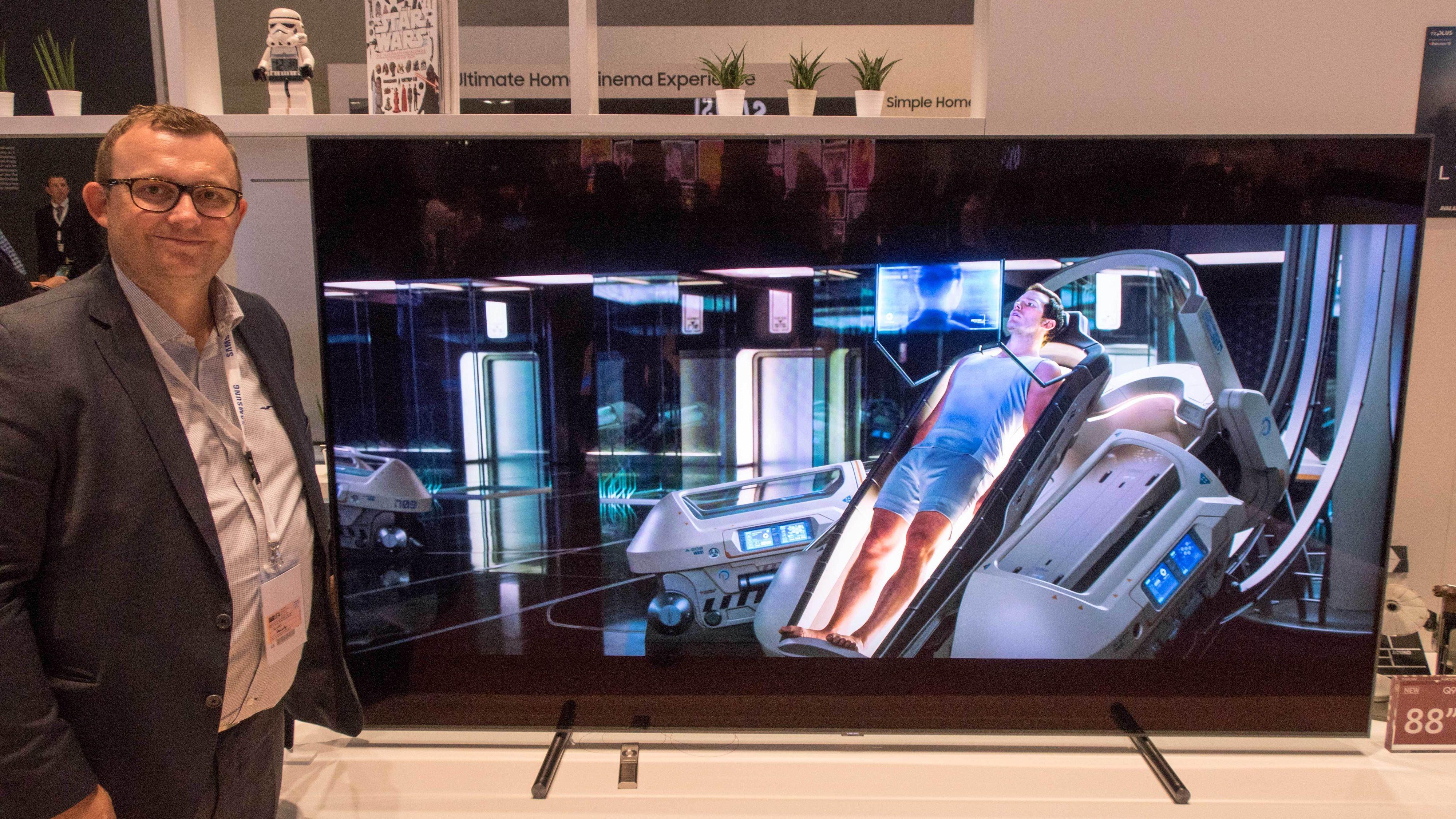 Lyst på de aller største TV-ene på markedet? Dette må du ut med