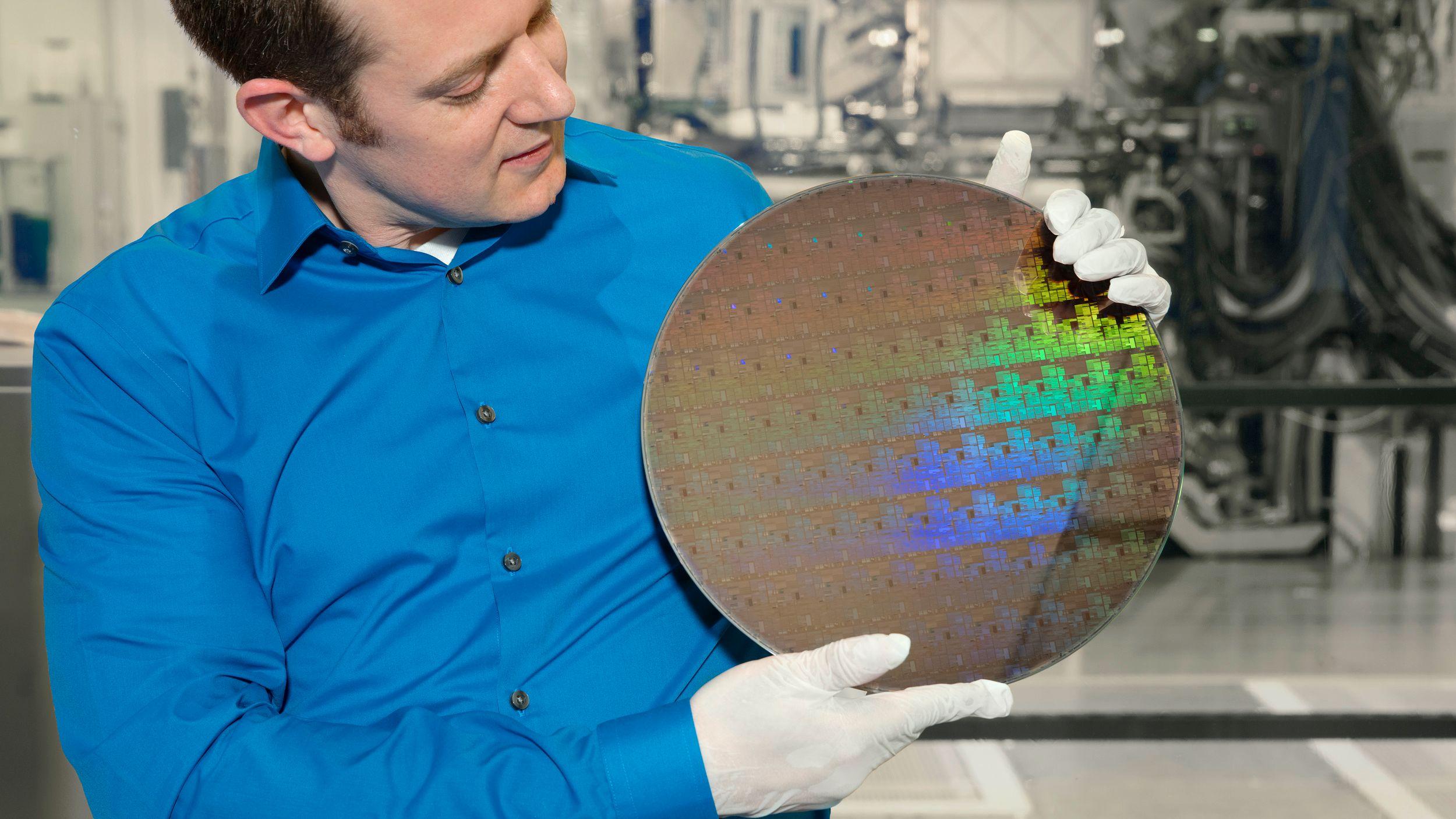 IBM krymper prosessorteknologien helt ned til 5 nanometer