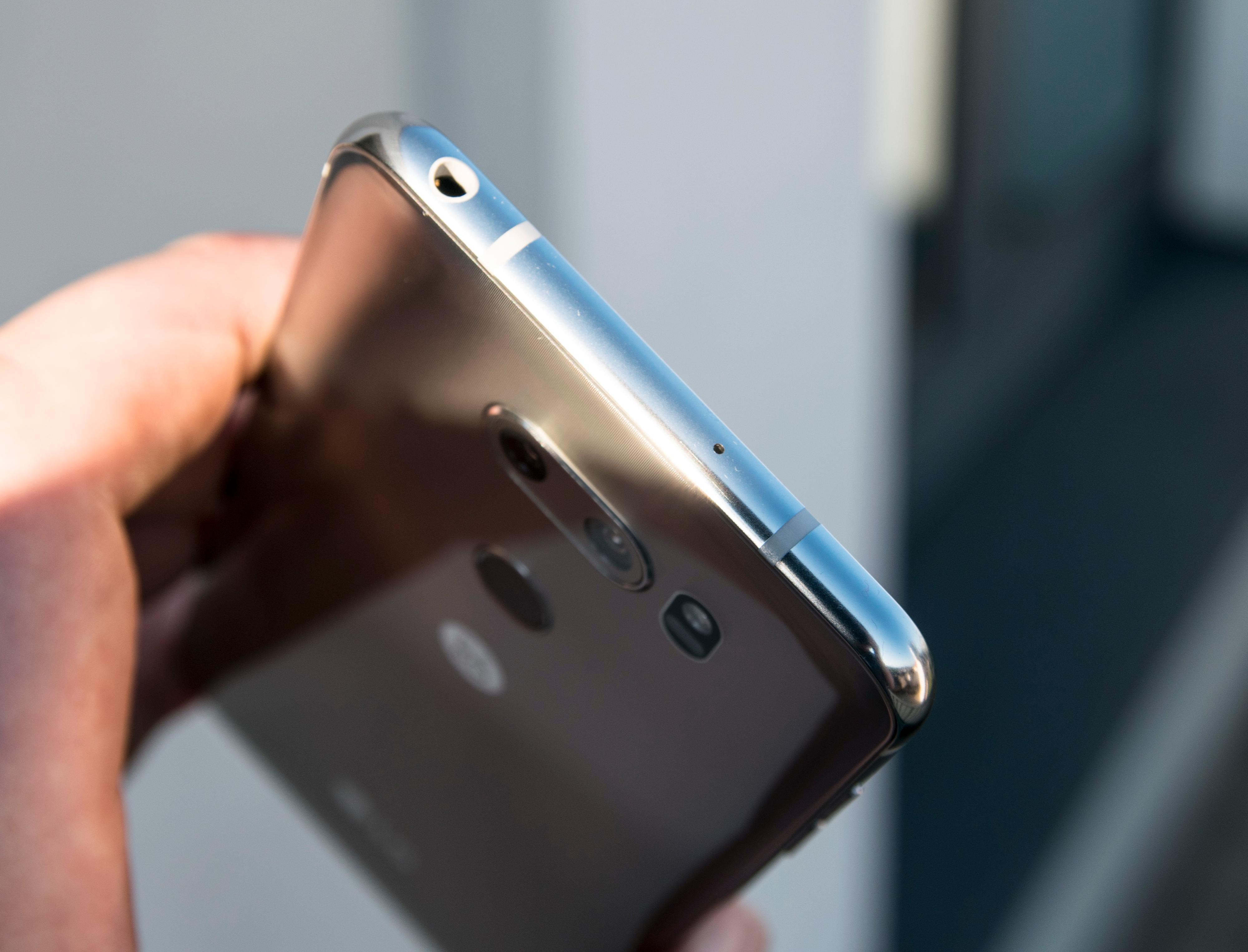 Hodetelefonkontakten. Ikke alle dingseprodusentene liker den lenger, men LG elsker den.