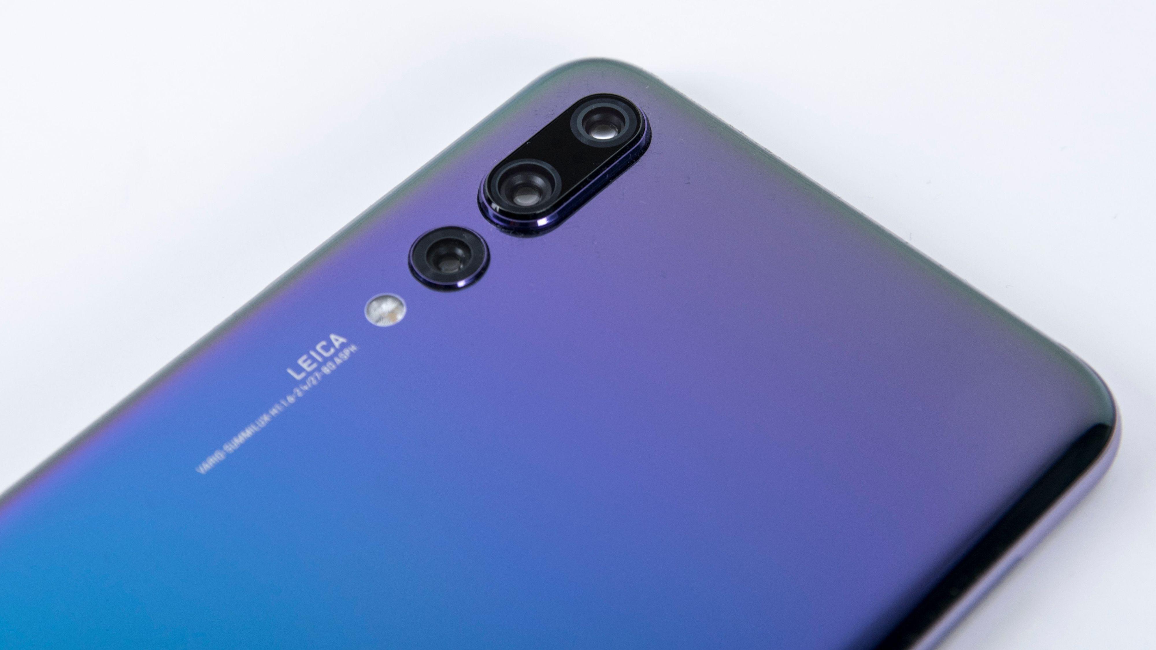 ZTE og Huawei blir forbudt å bruke av statsansatte i USA