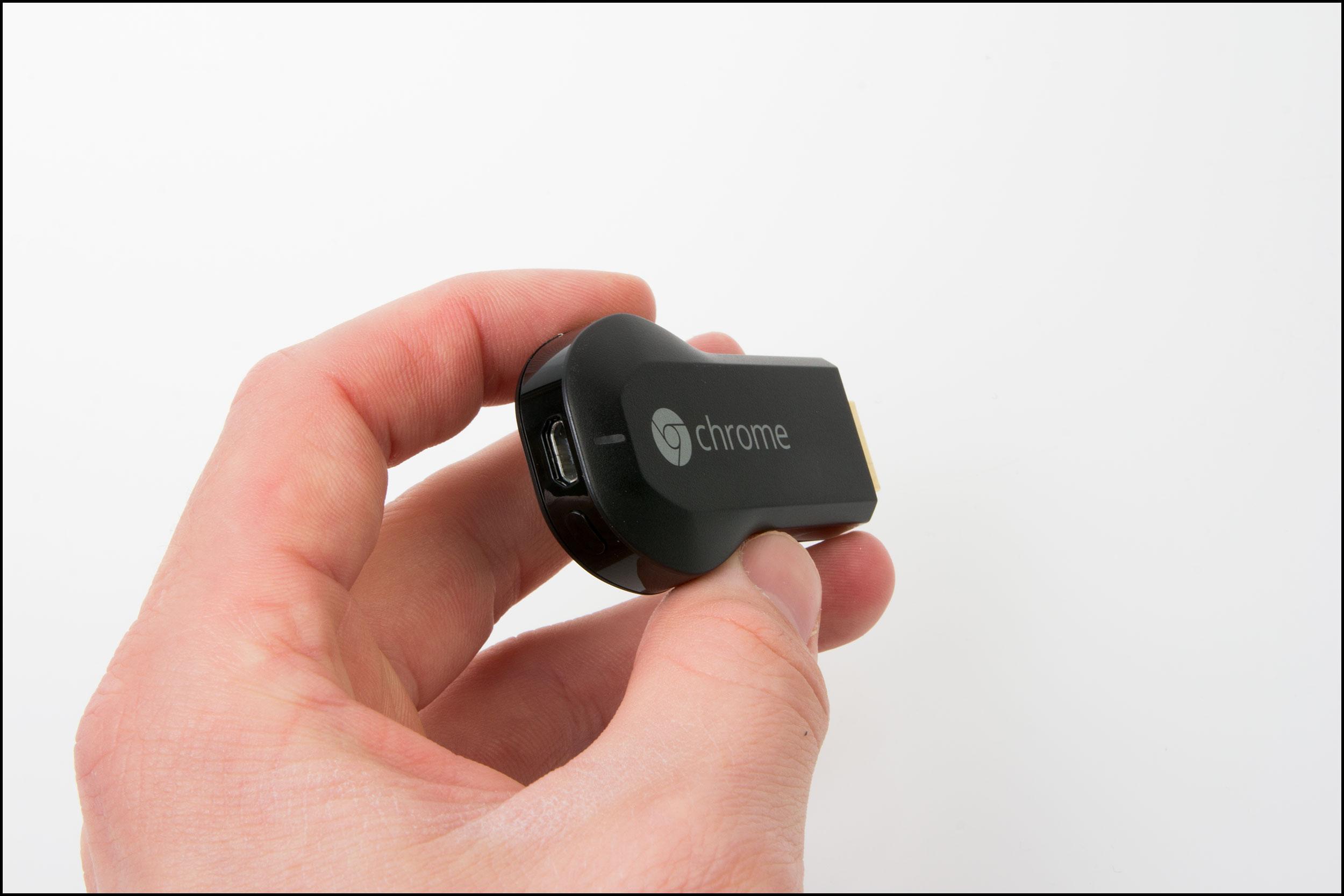 Den får strøm fra en liten USB-kontakt. Foto: Jørgen Elton Nilsen, Hardware.no