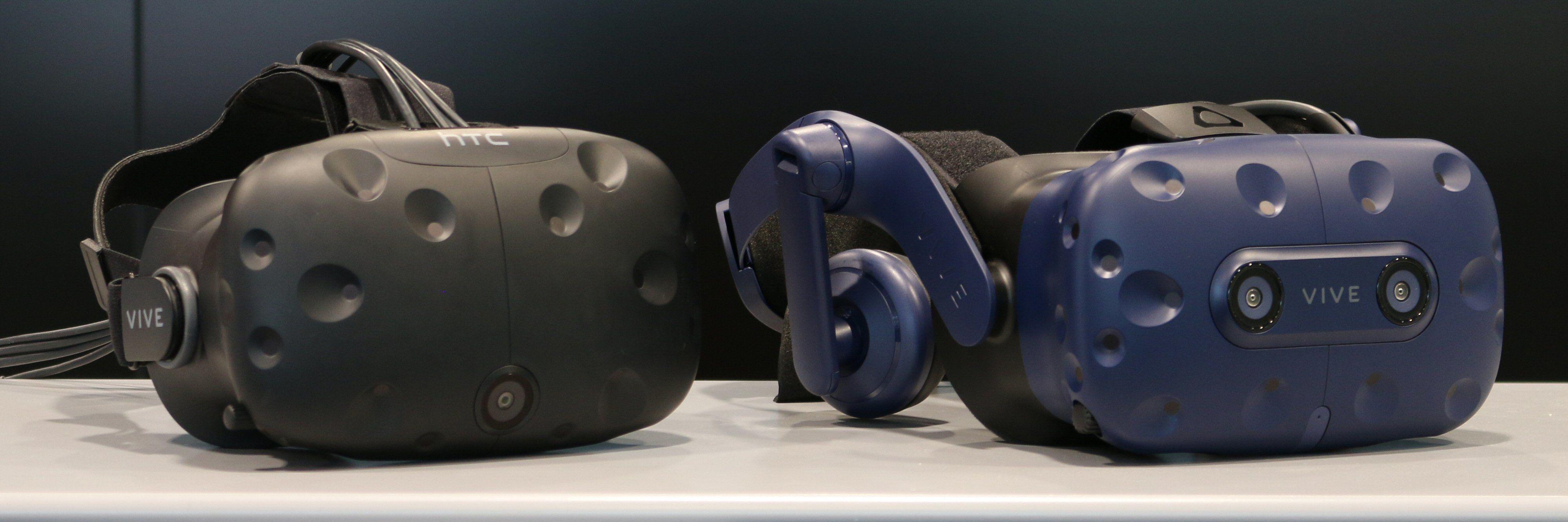 Gamle HTC Vive til venstre, nye Vive Pro til høyre.