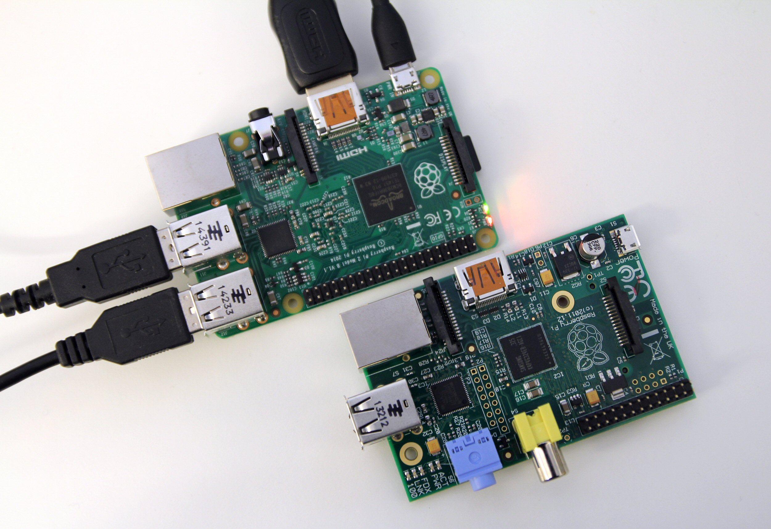 Raspberry Pi Model B nederst, Raspberry Pi 2 øverst. Foto: Vegar Jansen, Tek.no