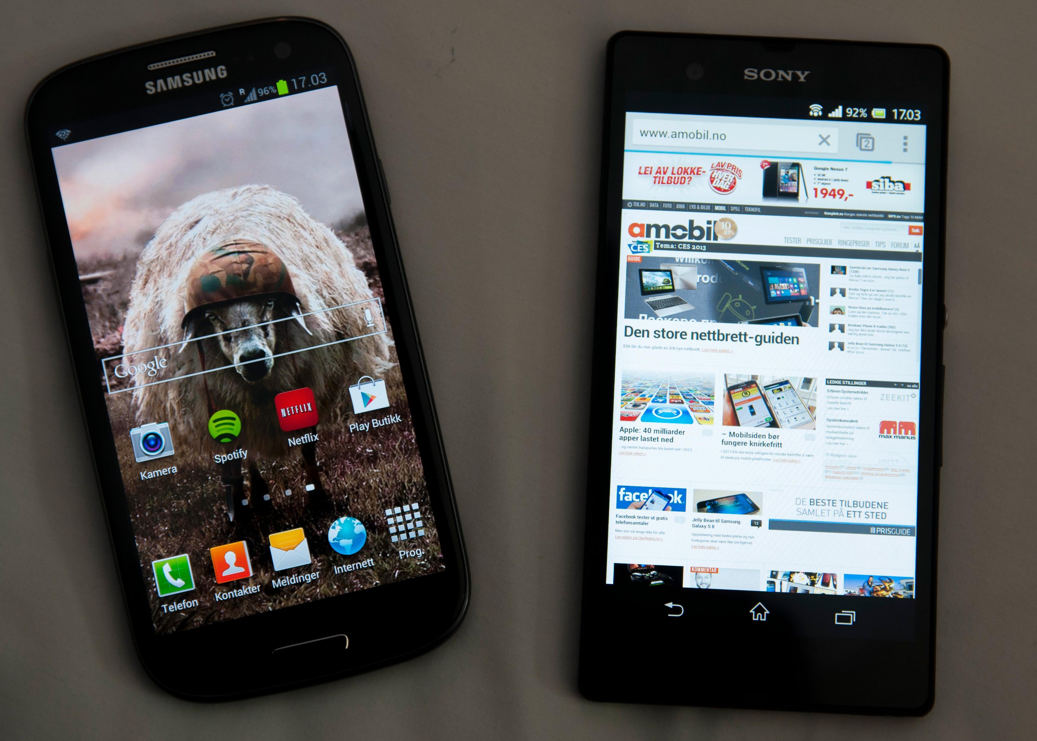 Forskjellen i størrelse fra Samsungs Galaxy S III til Sonys Xperia Z er ikke skremmende stor.Foto: Finn Jarle Kvalheim, Amobil.no