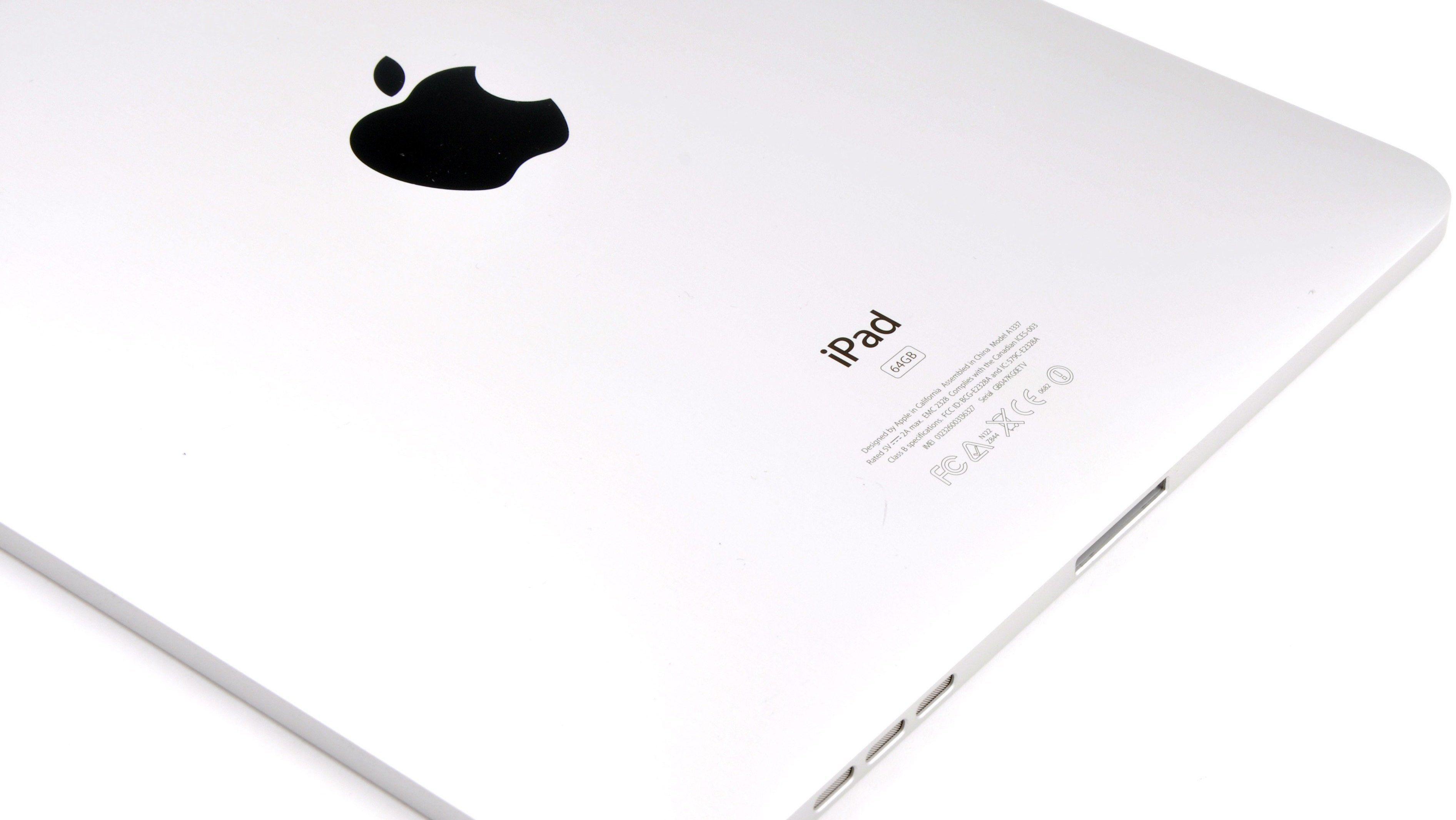 Baksiden av den originale iPaden levner ingen tvil om hvem som har vært på ferde.