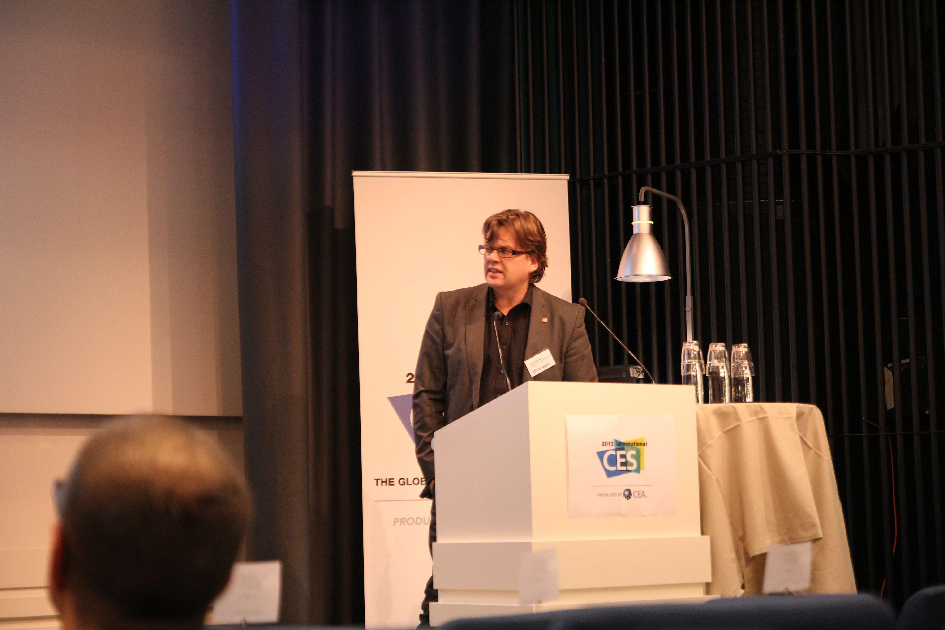 Stefan Bergdahl har studert salgstallene for det nordiske markedet.Foto: Niklas Plikk, Hardware.no