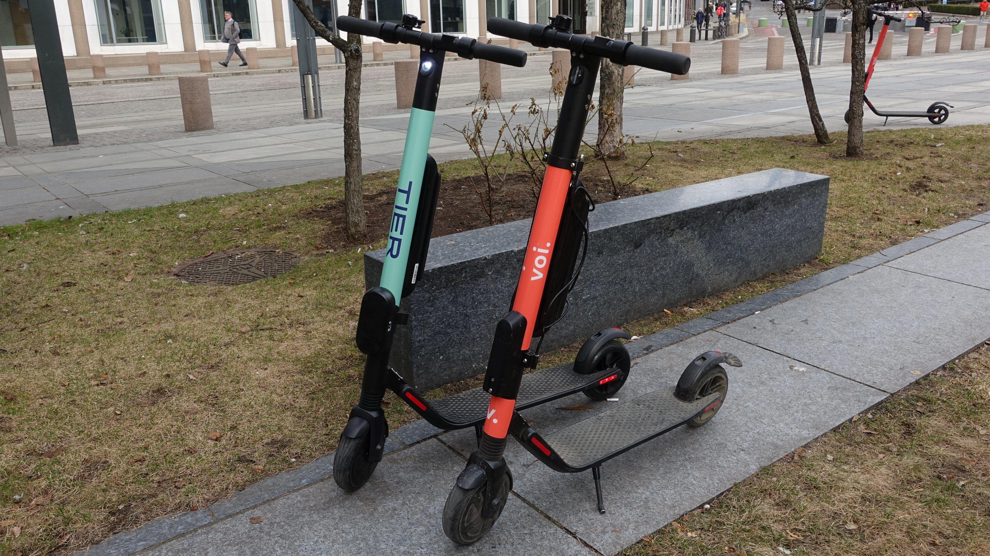 Tier og Voi var de første som startet utleie i Oslo. Tier er fortsatt den billigste tilbyderen.