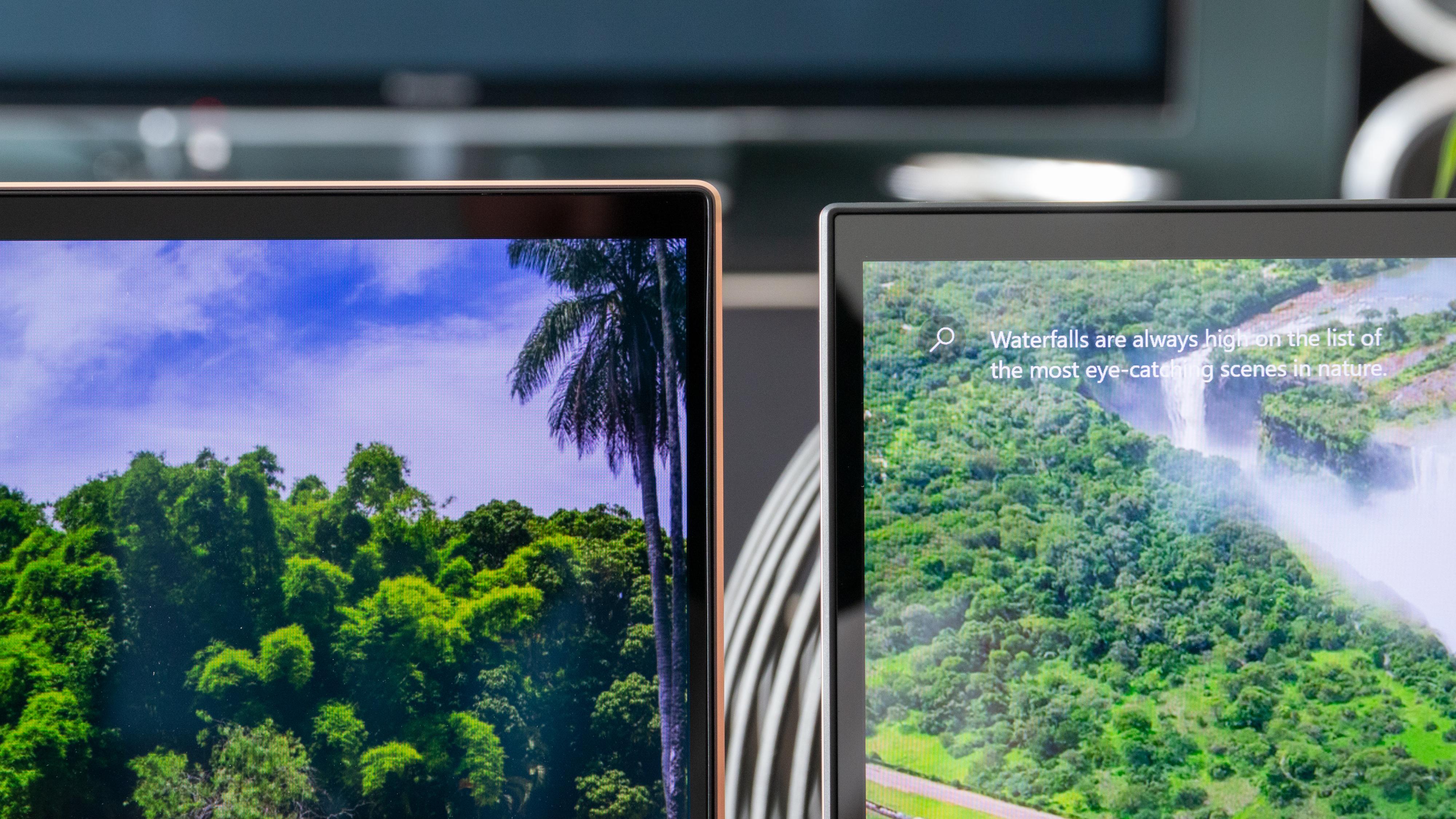 Slanke skjermrammer og høyoppløste paneler på begge maskiner.