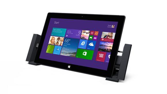 Den nye Microsoft Surface Pro 2 får også dockingstasjon du kan koble til PC-skjerm, høyttalere og andre enheter med.Foto: Microsoft