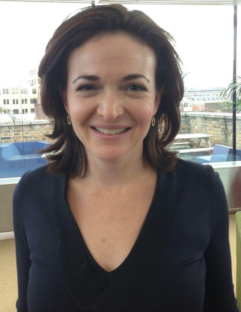 Operasjonsdirektør hos Facebook Sheryl Sandberg har bekreftet at en abonnementsløsning er noe selskapet vurderer, sammen med mange andre ideer.