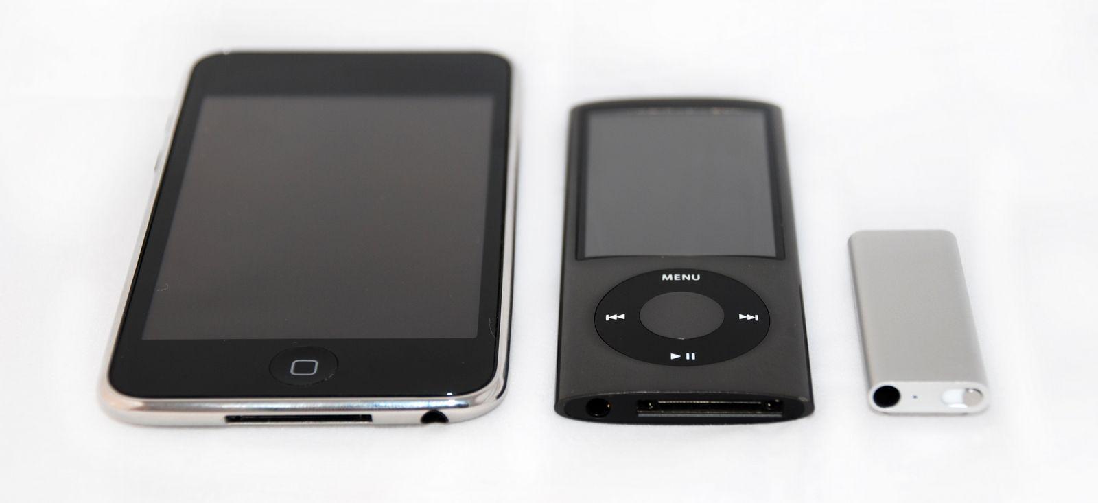 Nye Nano flankert av Ipod Touch og Shuffle
