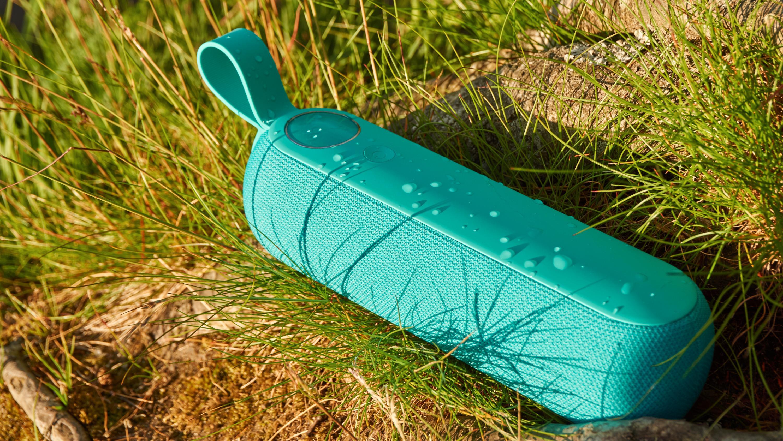 Libratone Too er ikke absolutt vanntett, men skal tåle en god del liter vann allikevel.