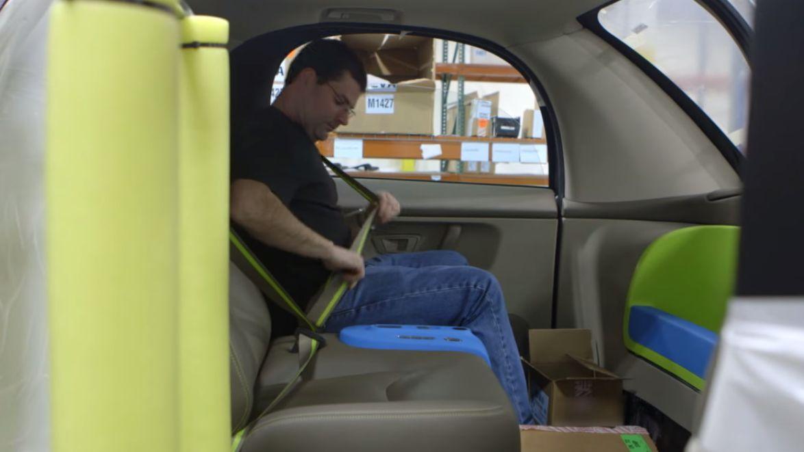Googles selvkjørende biler er ikke spesielt romslige på innsiden. Foto: Google/YouTube