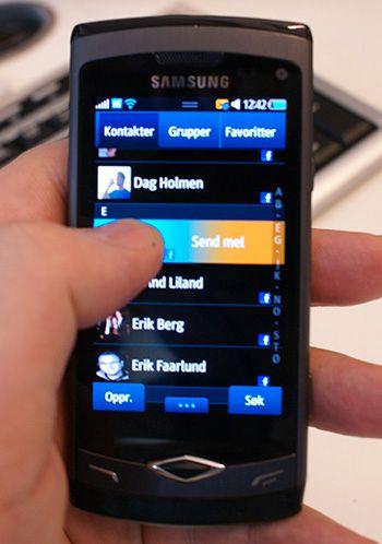 Samsungs første egendesignede systembrikke dukket opp i Wave. Dette var også den første modellen med operativsystemet Bada. Bada har siden blitt skrinlagt til fordel for et nytt operativsystem under navnet Tizen.Foto: Finn Jarle Kvalheim, Tek.no
