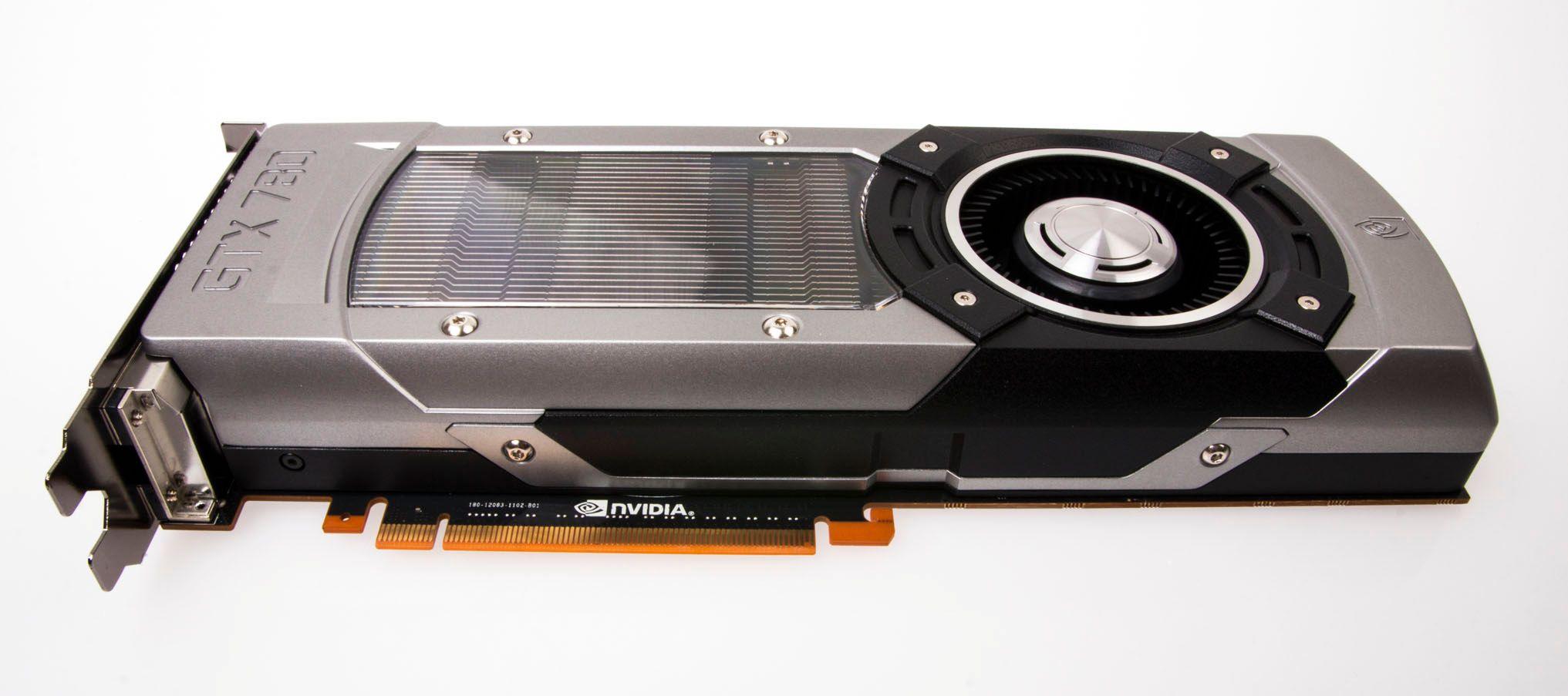 Nvidia GeForce GTX 780 er til forveksling lik GeForce GTX Titan, og veier 928 gram – kun 15 gram mindre enn storebroren.Foto: Varg Aamo, Hardware.no