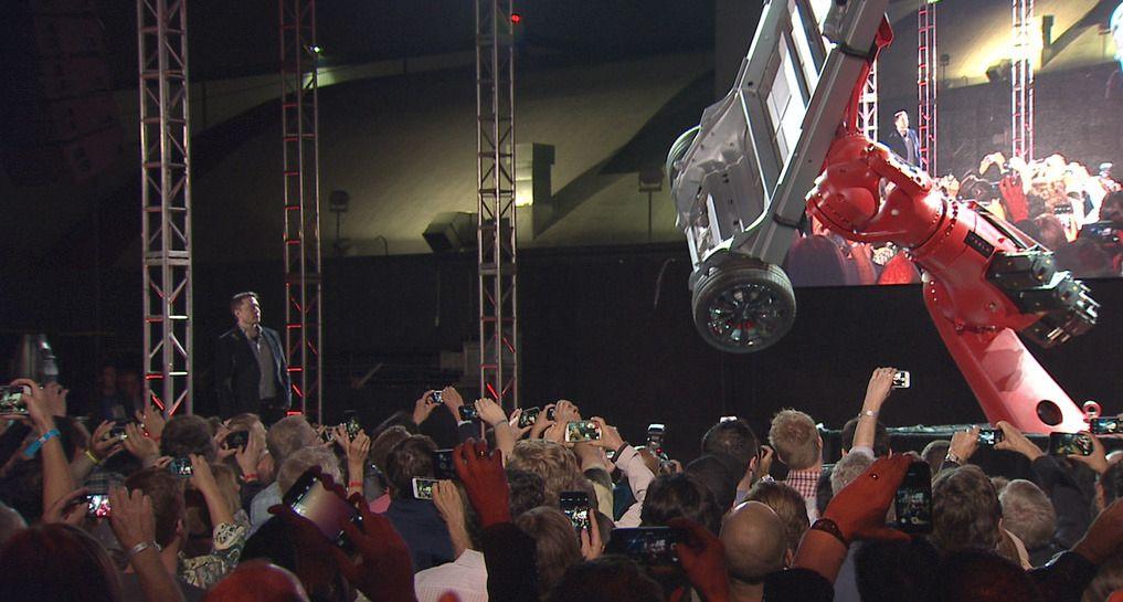 Fra Elon Musks presentasjon av det nye tomotors-systemet.Foto: Tesla Motors