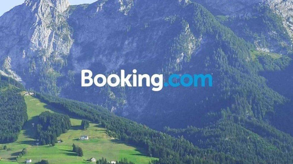 Norske brukere rammet: Låsskjermer byttet ut med reklamer for Booking.com